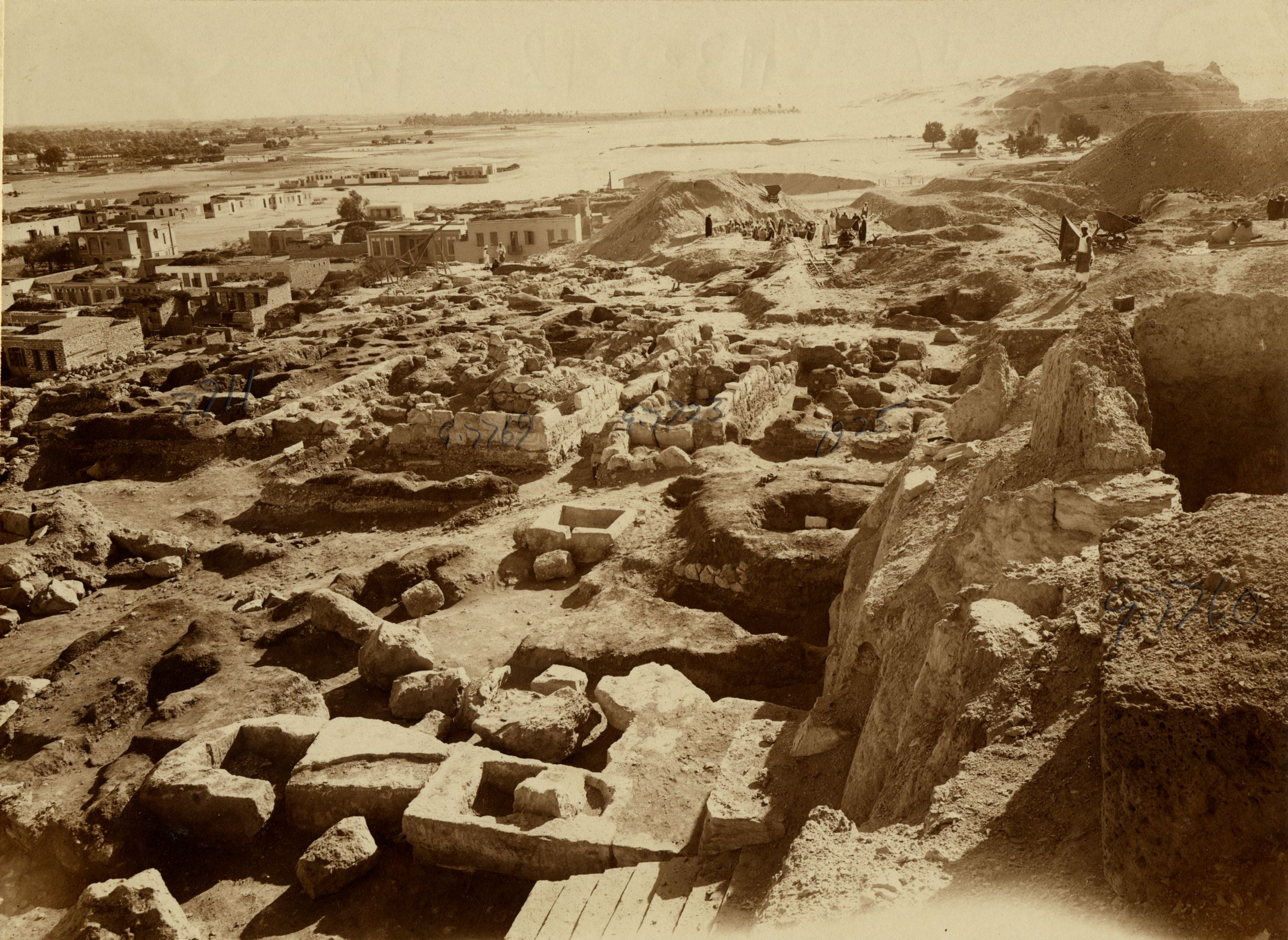 Eastern Cemetery: Site: Giza; View: G 7760, G 7911, G 7769, G 7923, G 7925