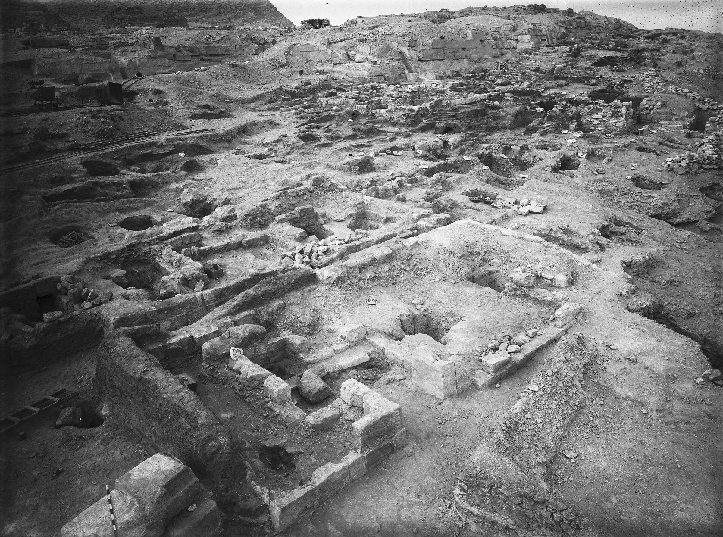 Eastern Cemetery: Site: Giza; View: G 7937, G 7936, G 7943, G 7934, G 7935, G 7912, G 7911, G 7760, G 7660