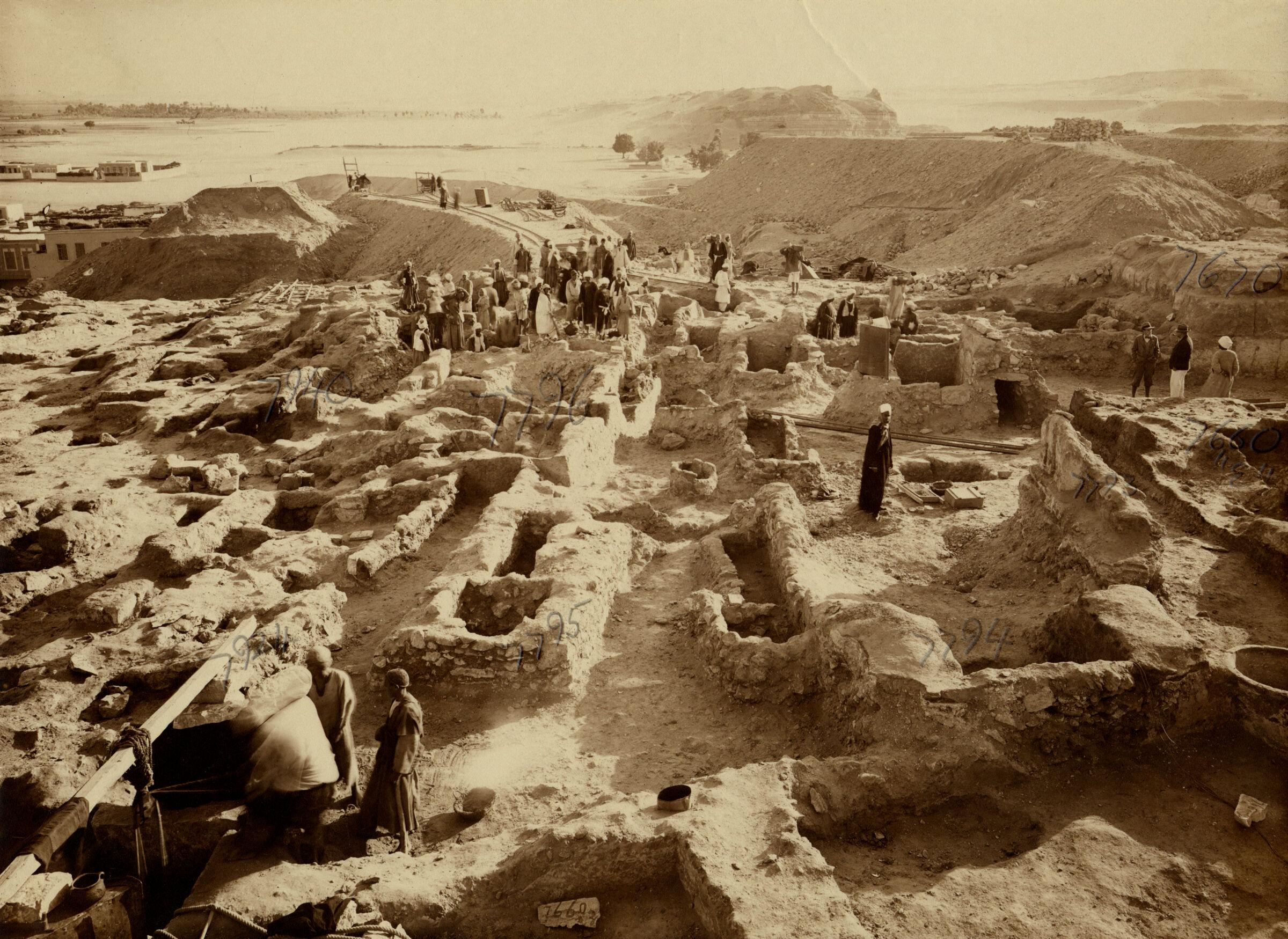 Eastern Cemetery: Site: Giza; View: G 7660, G 7794, G 7793, G 7795, G 7796, G 7924, G 7796, G 7946, G 7670