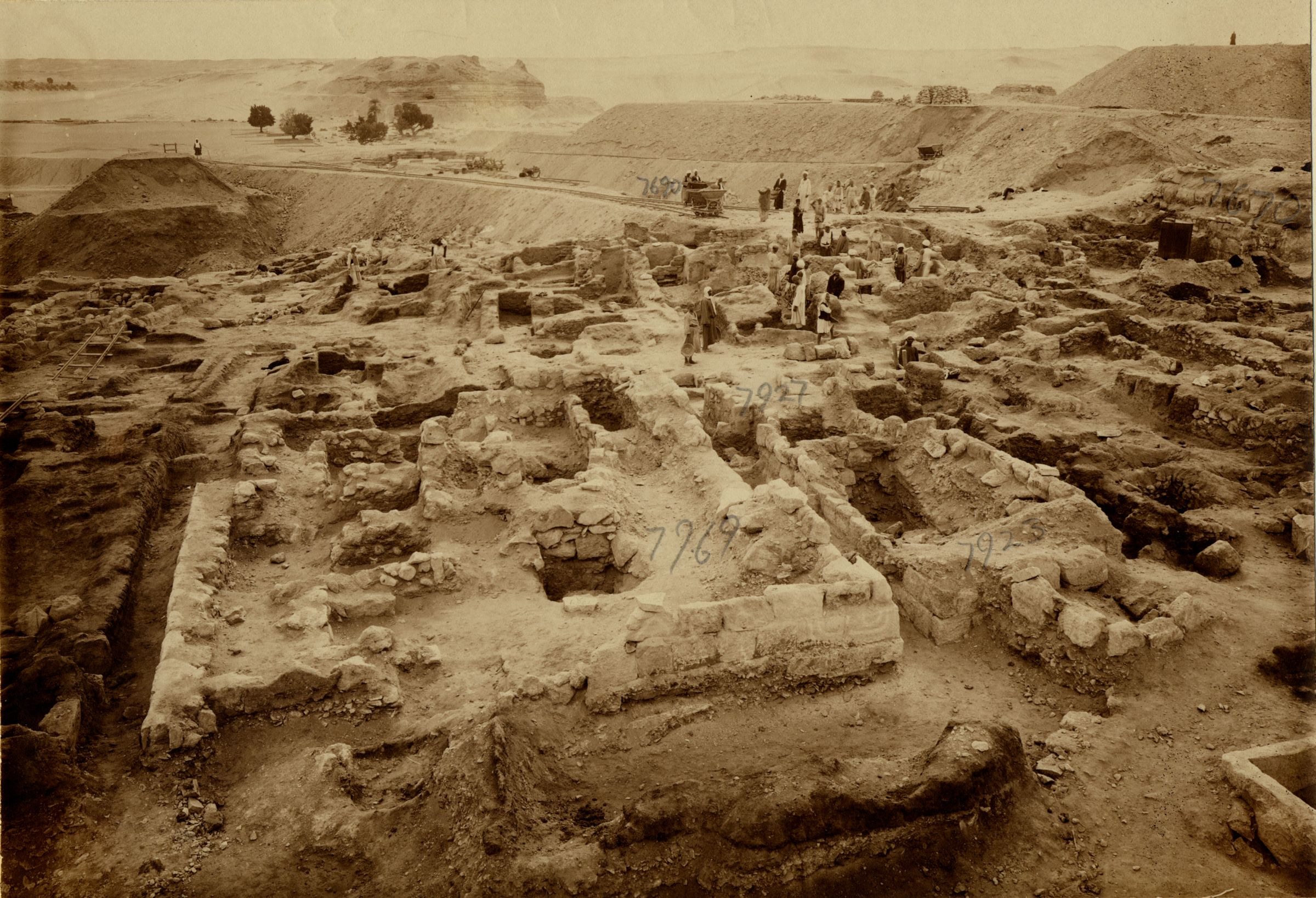 Eastern Cemetery: Site: Giza; View: G 7769, G 7923, G 7922, G 7927, G 7690