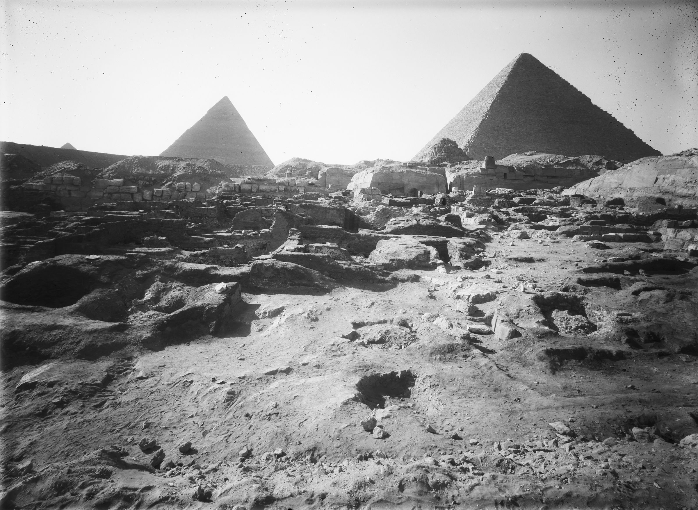Eastern Cemetery: Site: Giza; View: G 7760, G 7670, G 7660