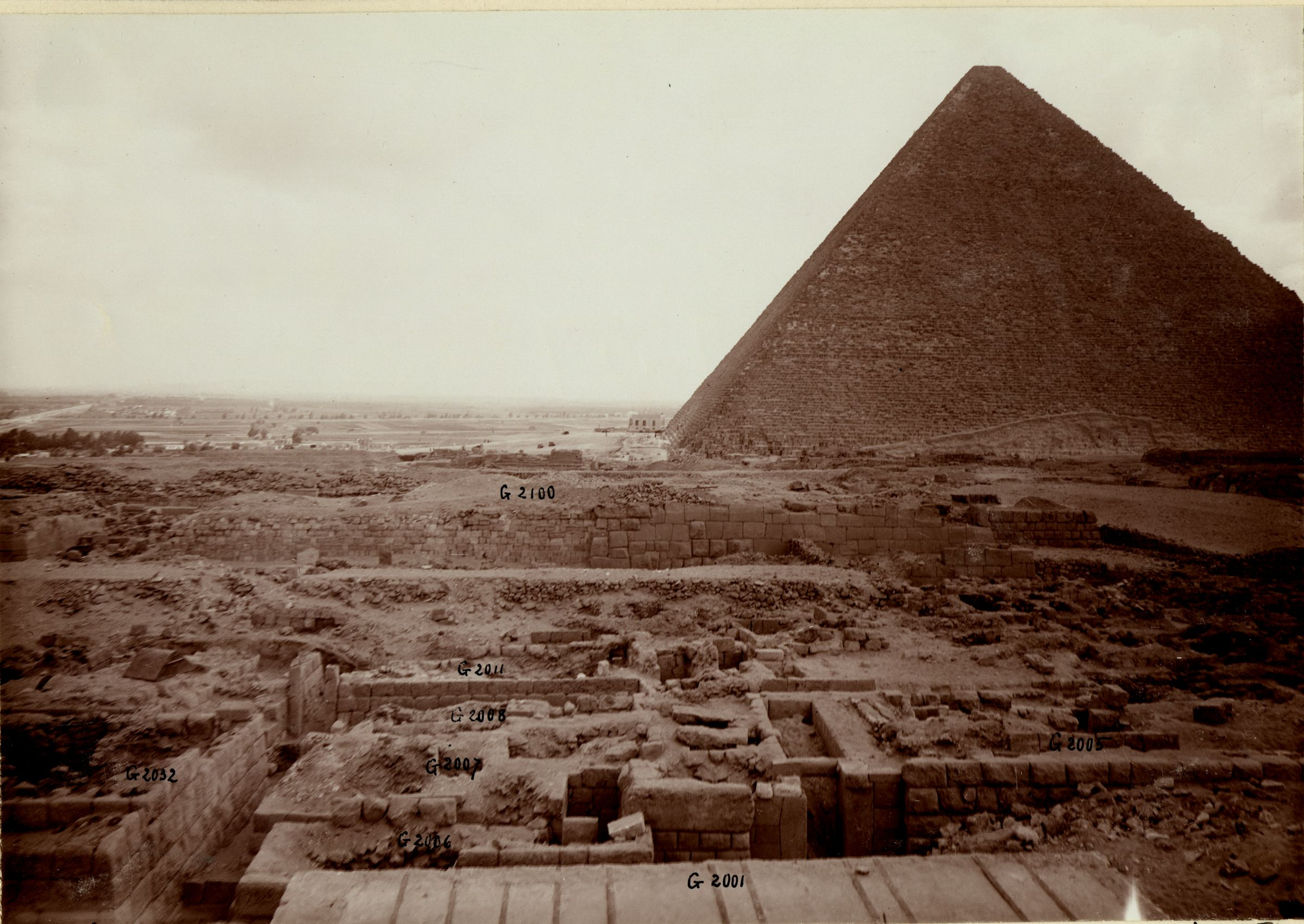 Western Cemetery: Site: Giza; View: G 2001, G 2032, G 2006, G 2007, G 2008, G 2001, G 2011, G 2005,  G 2100