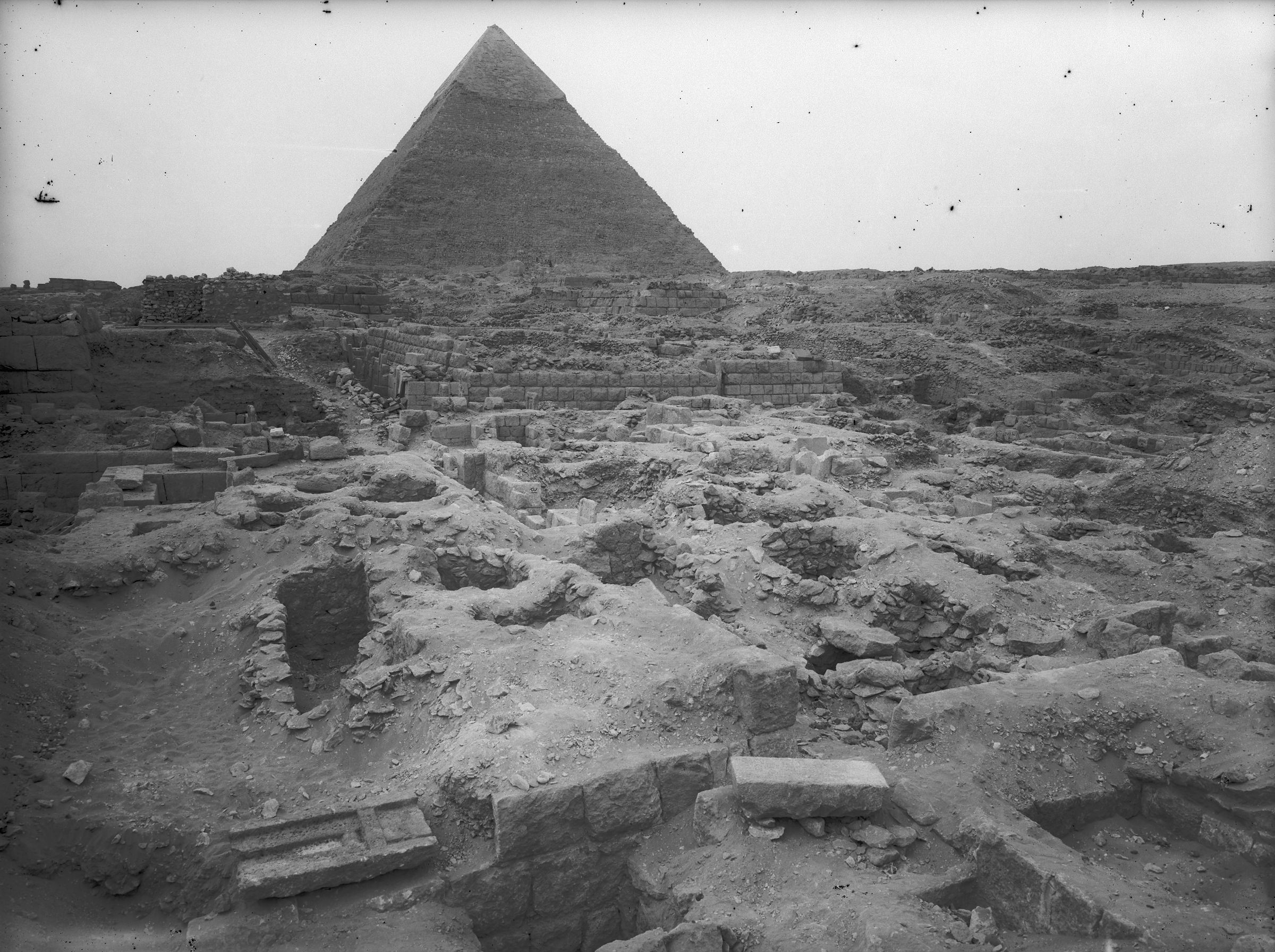 Western Cemetery: Site: Giza; View: G 2420, G 2415, G 2416, G 2421