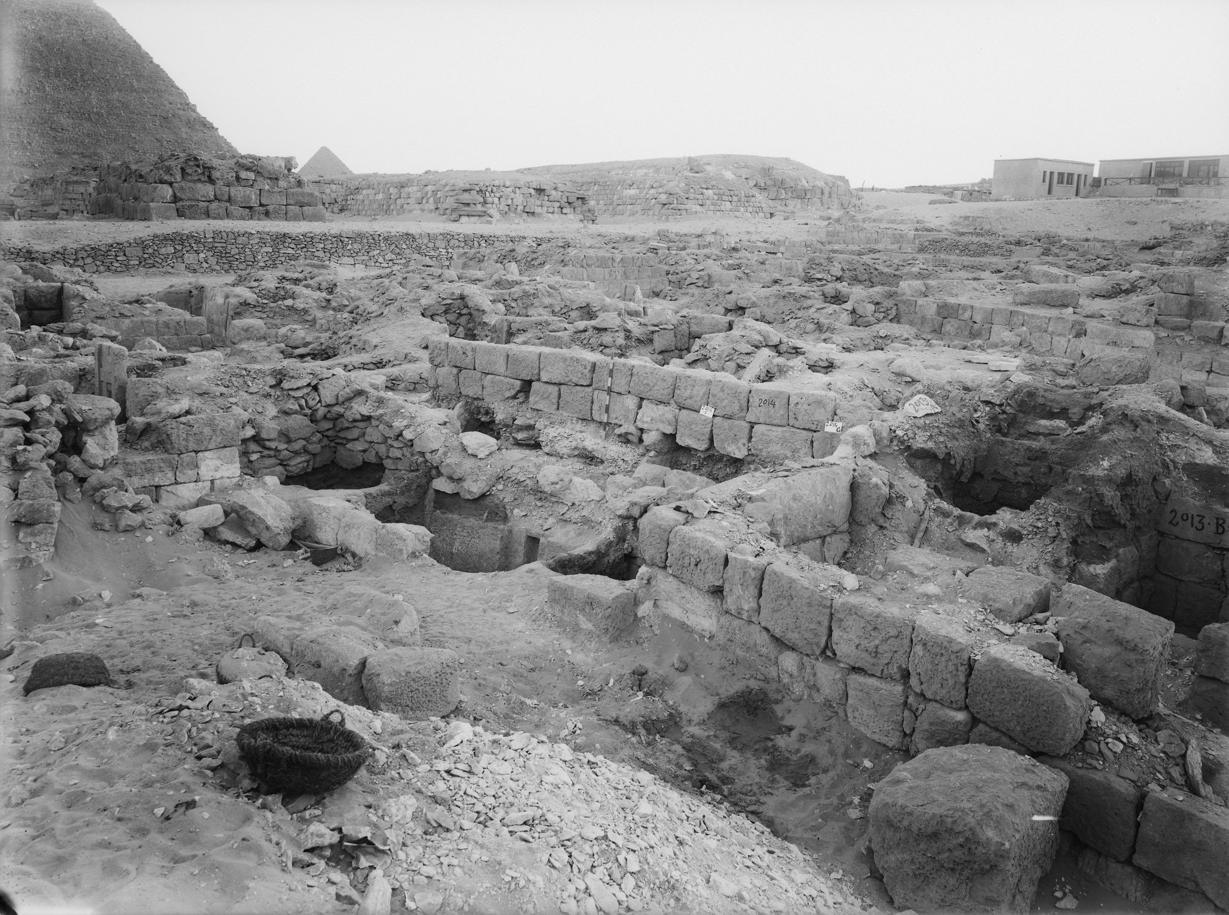 Western Cemetery: Site: Giza; View: G 2013, G 2014, G 2015
