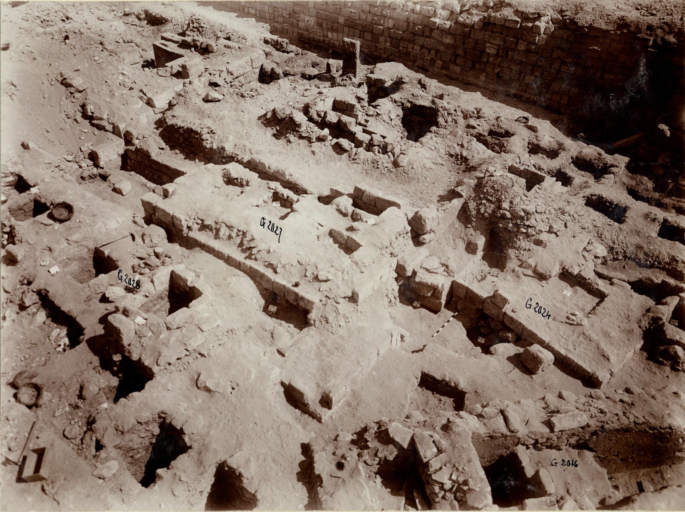 Western Cemetery: Site: Giza; View: G 2018a, G 2018b, G 2027, G 2024, G 2021, G 2023, G 2022, G 2016