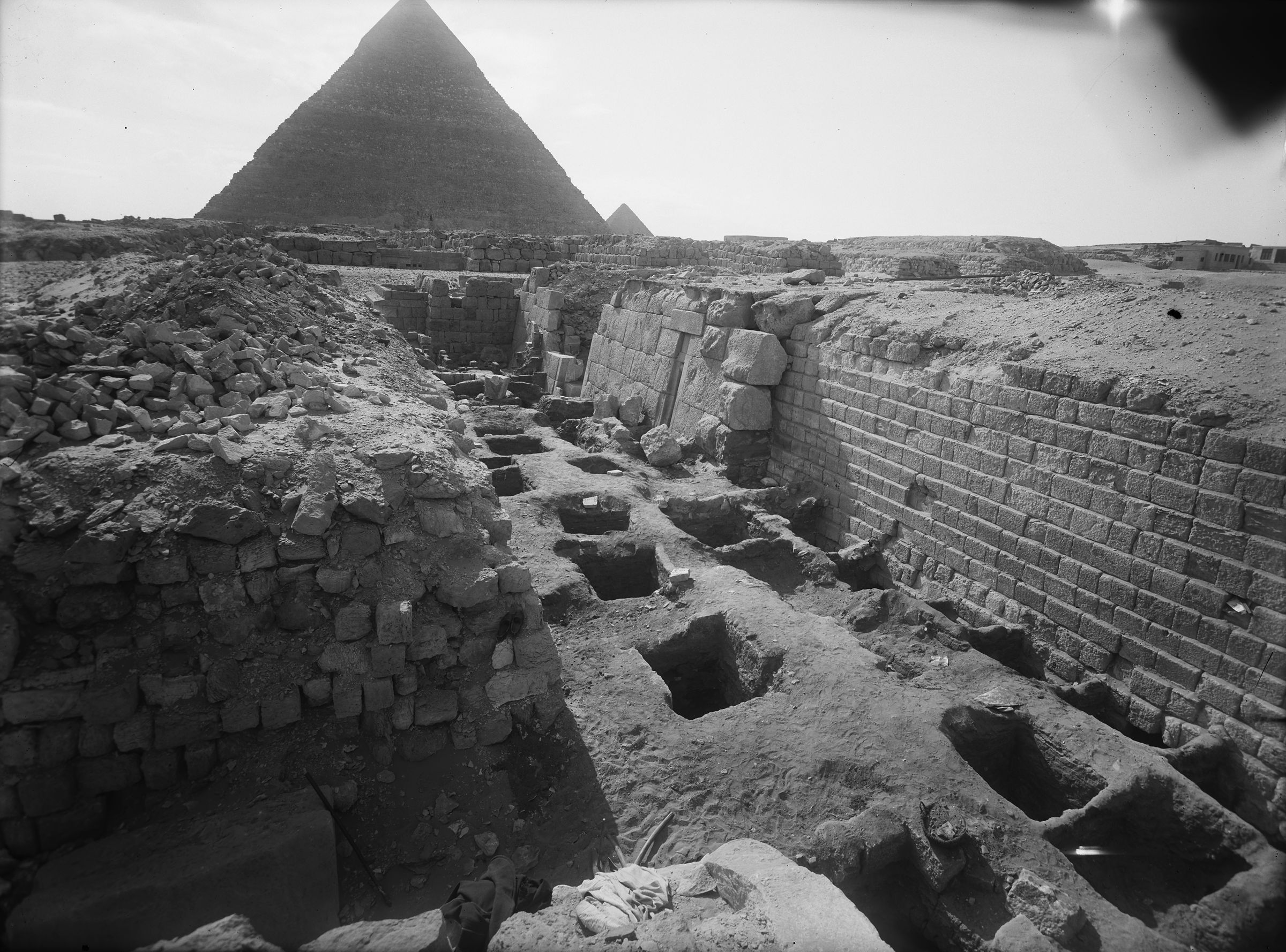 Western Cemetery: Site: Giza; View: G 2104, G 2105, G 2100