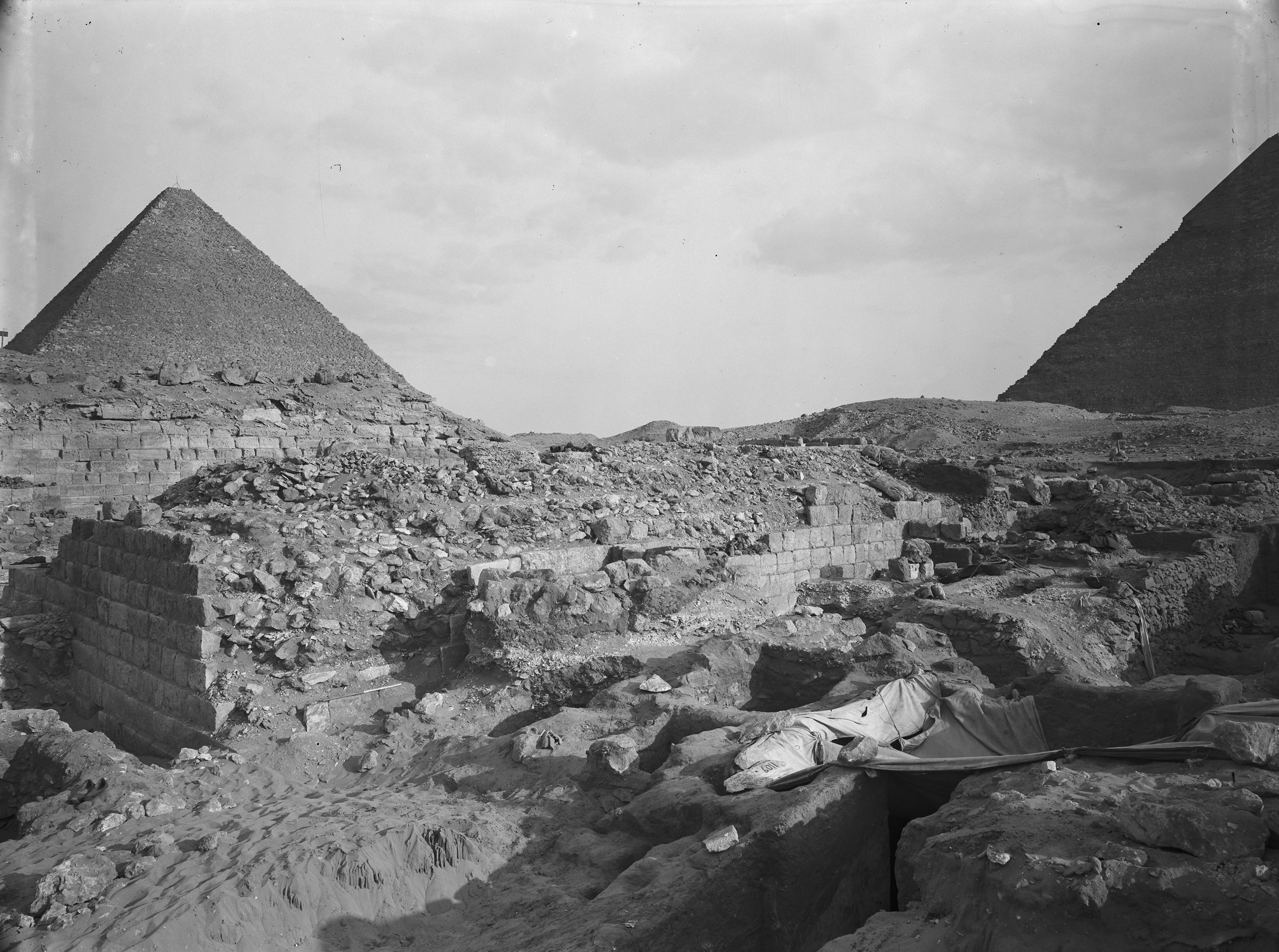 Western Cemetery: Site: Giza; View: G 1020, G 1109, G 1108
