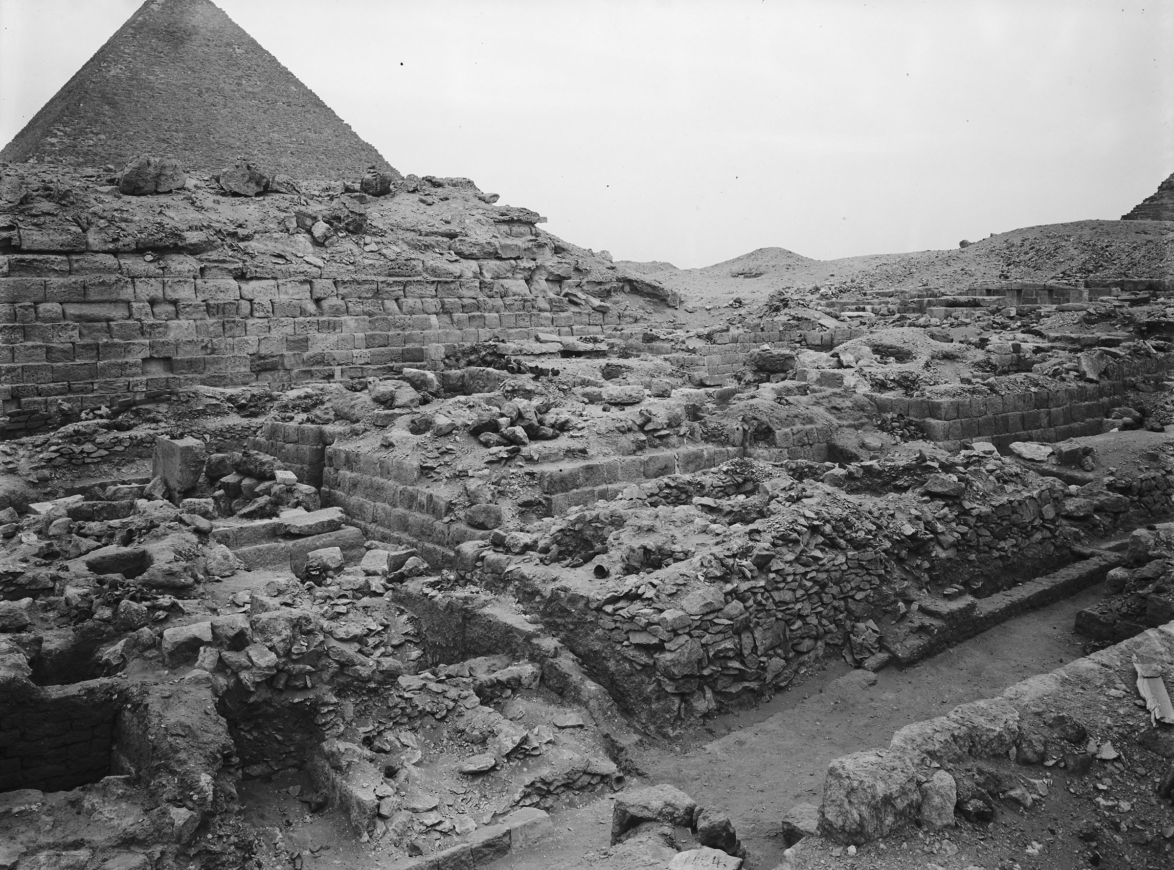 Western Cemetery: Site: Giza; View: G 1035, G 1030, G 1022, G 1025