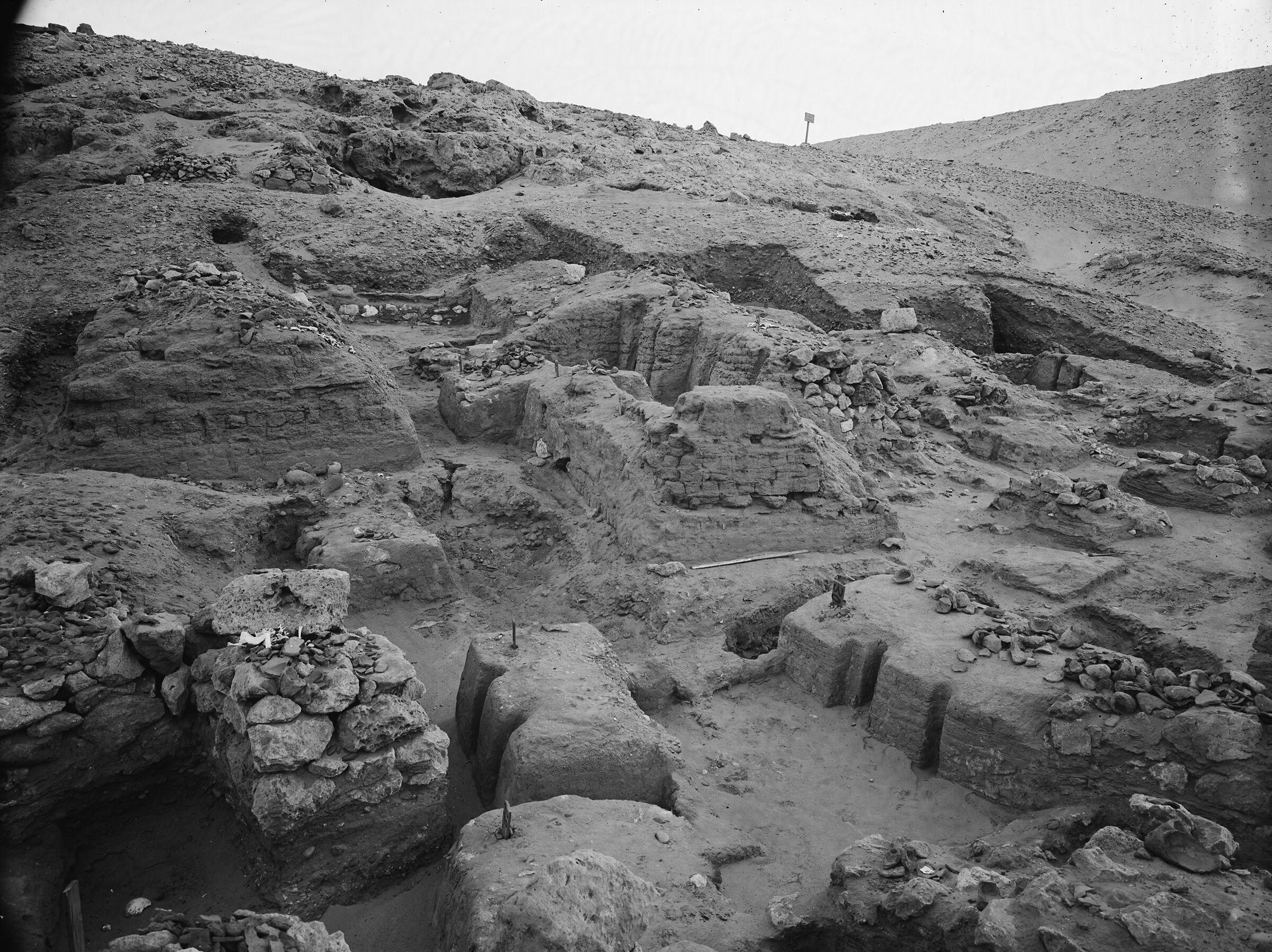 Wadi Cemetery (Reisner; north of W. Cem): Site: Giza; View: GW 16, GW 19, GW 20, GW 22, GW 29, GW 30, GW 31, GW 32, GW 33, GW 34, GW 35, GW 36, GW 37, GW 38, GW 46, GW 47, GW 56