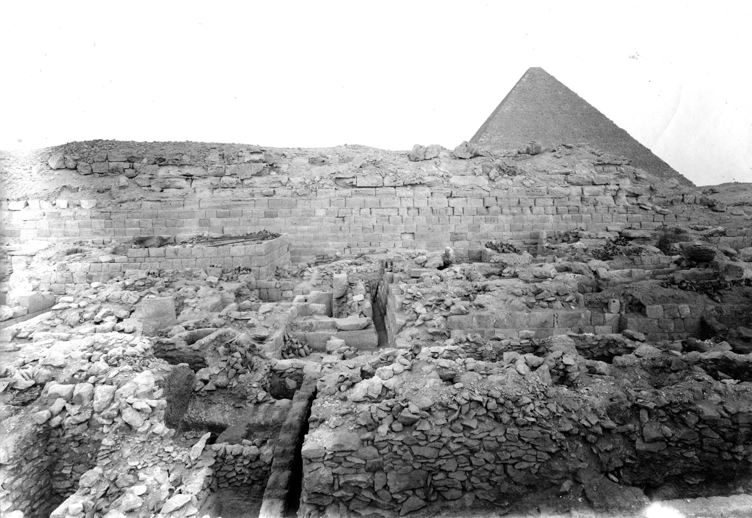 Western Cemetery: Site: Giza; View: G 1022, G 1030, G 1025