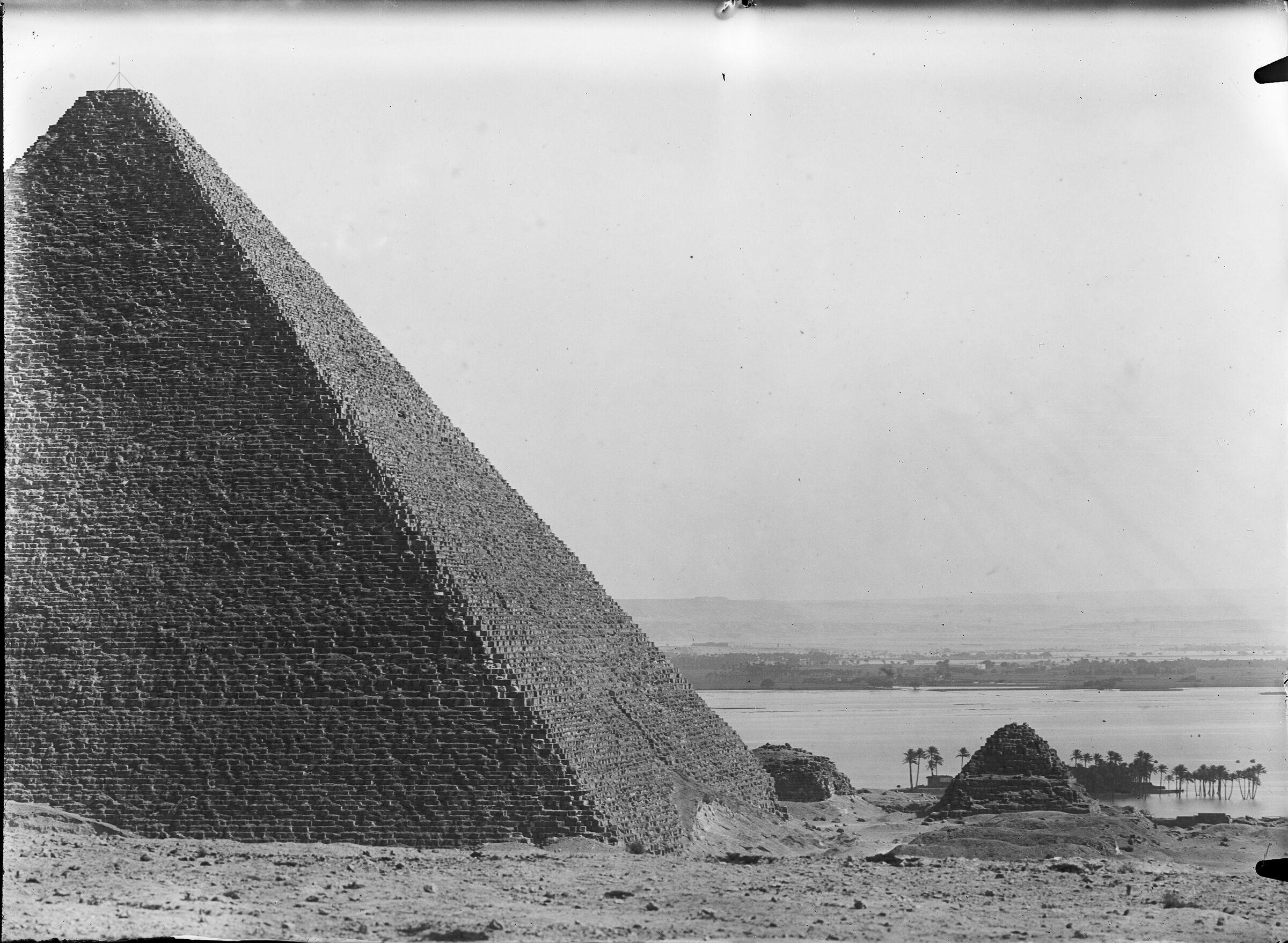 General view: Site: Giza; View: Giza, Khufu Pyramid