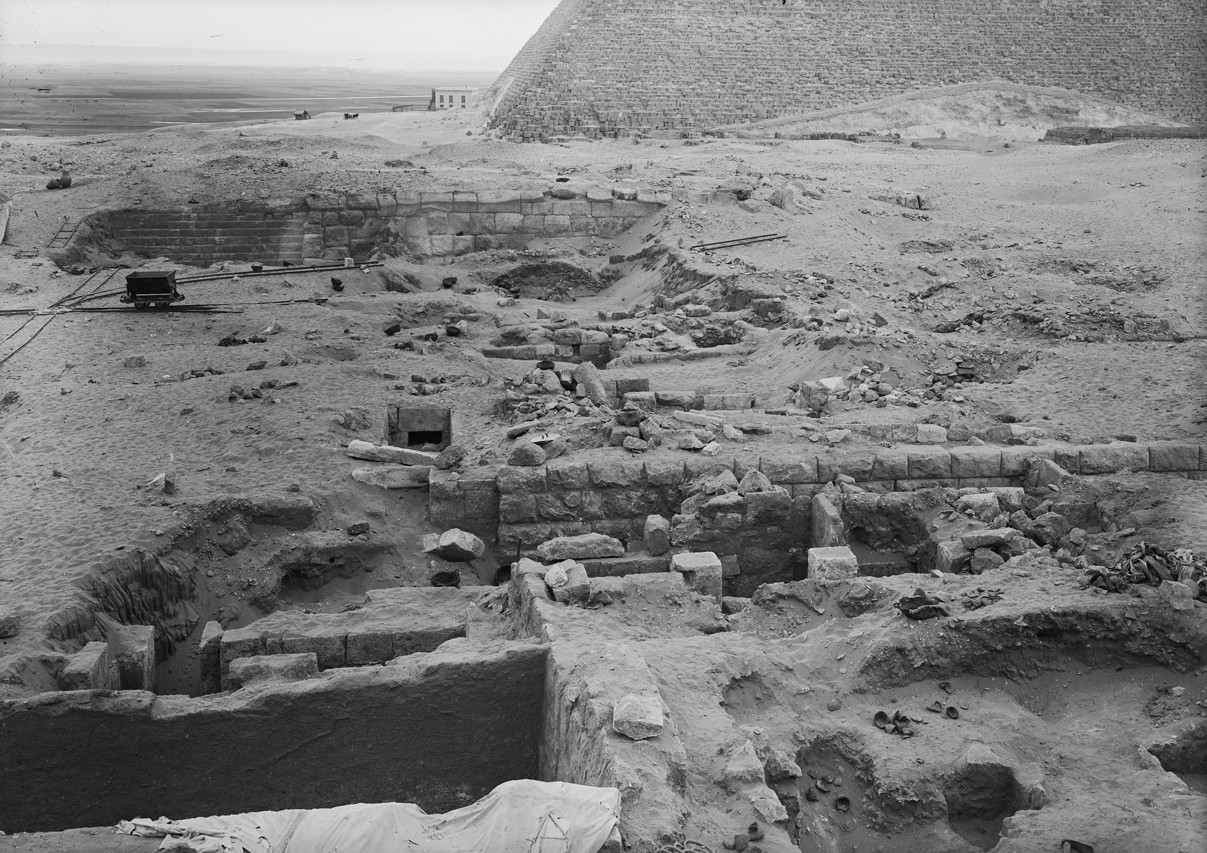Western Cemetery: Site: Giza; View: G 2004, G 2003, G 2005