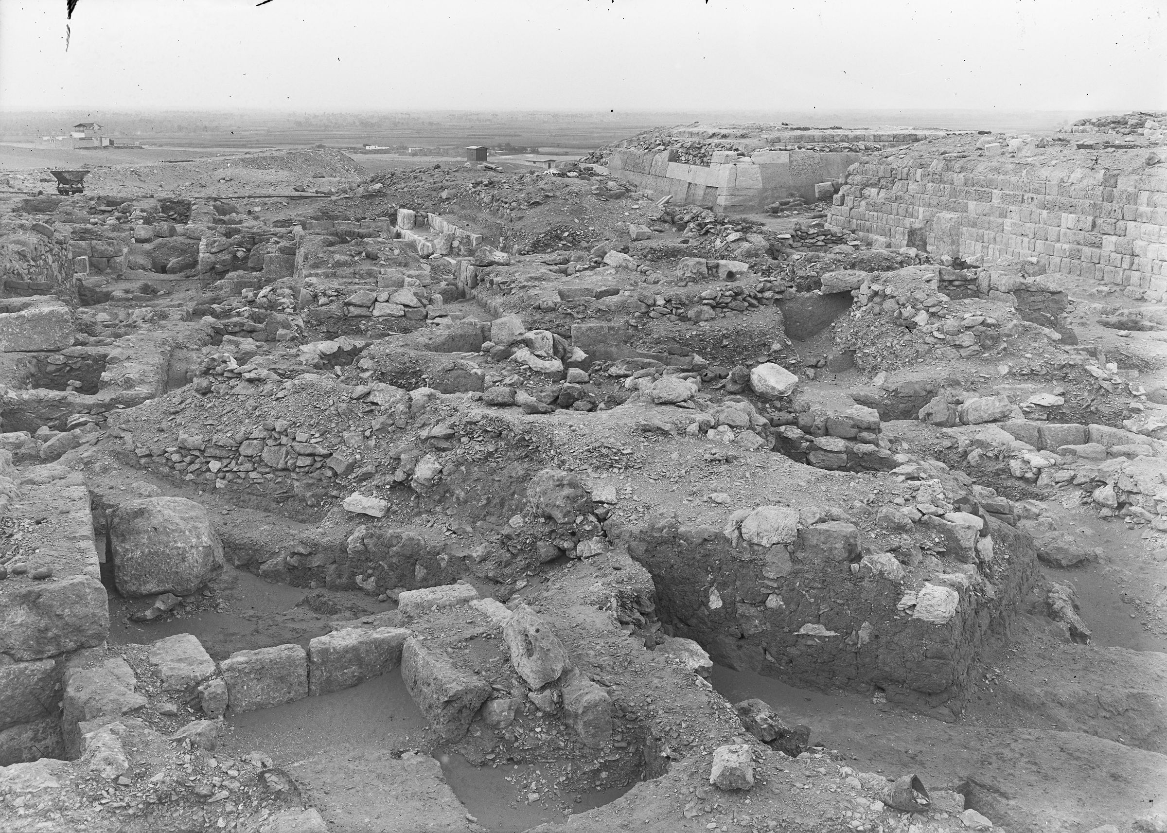 Western Cemetery: Site: Giza; View: G 2015, G 2016