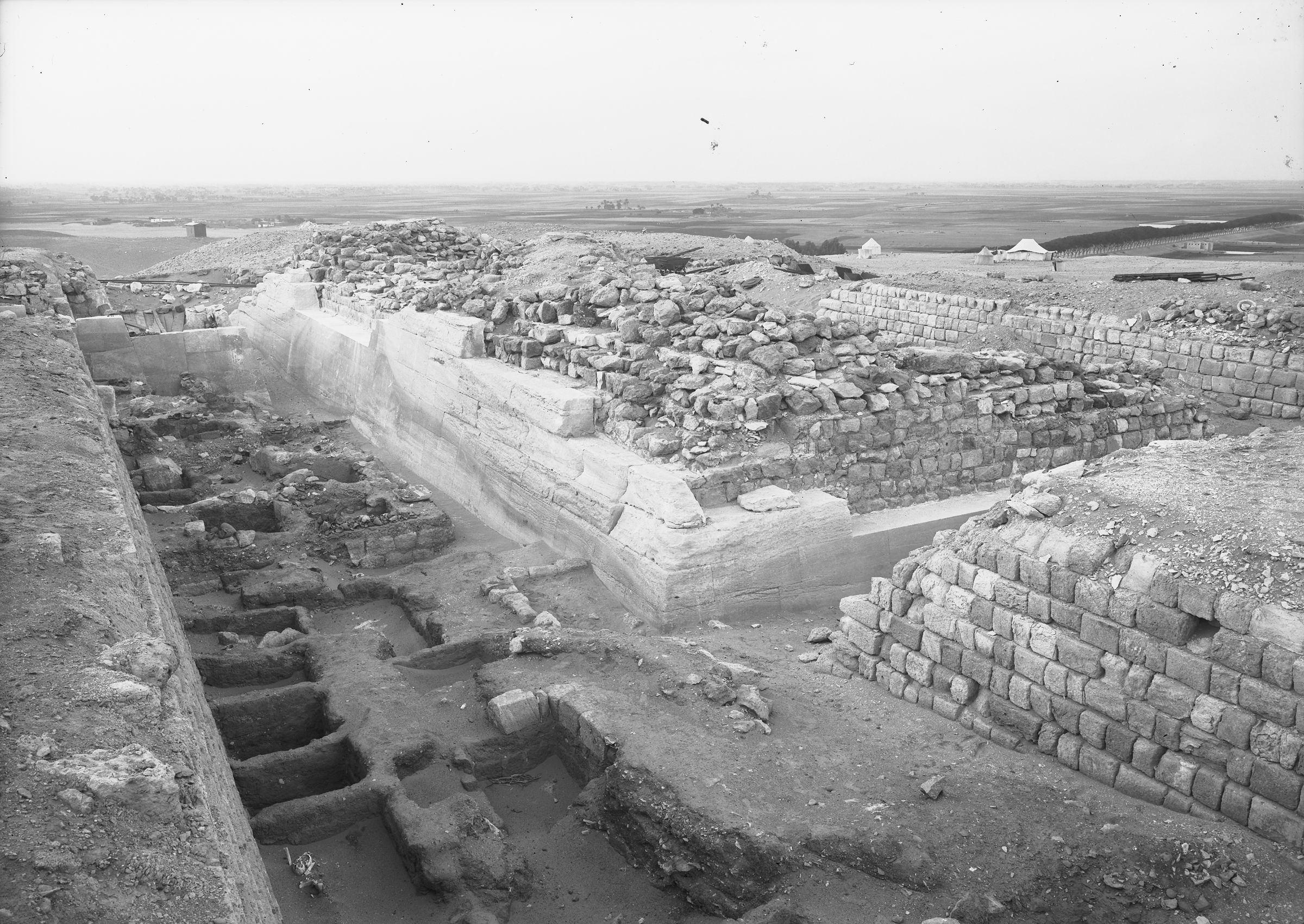 Western Cemetery: Site: Giza; View: G 2100, G 2130, G 2120, G 2105, G 2114