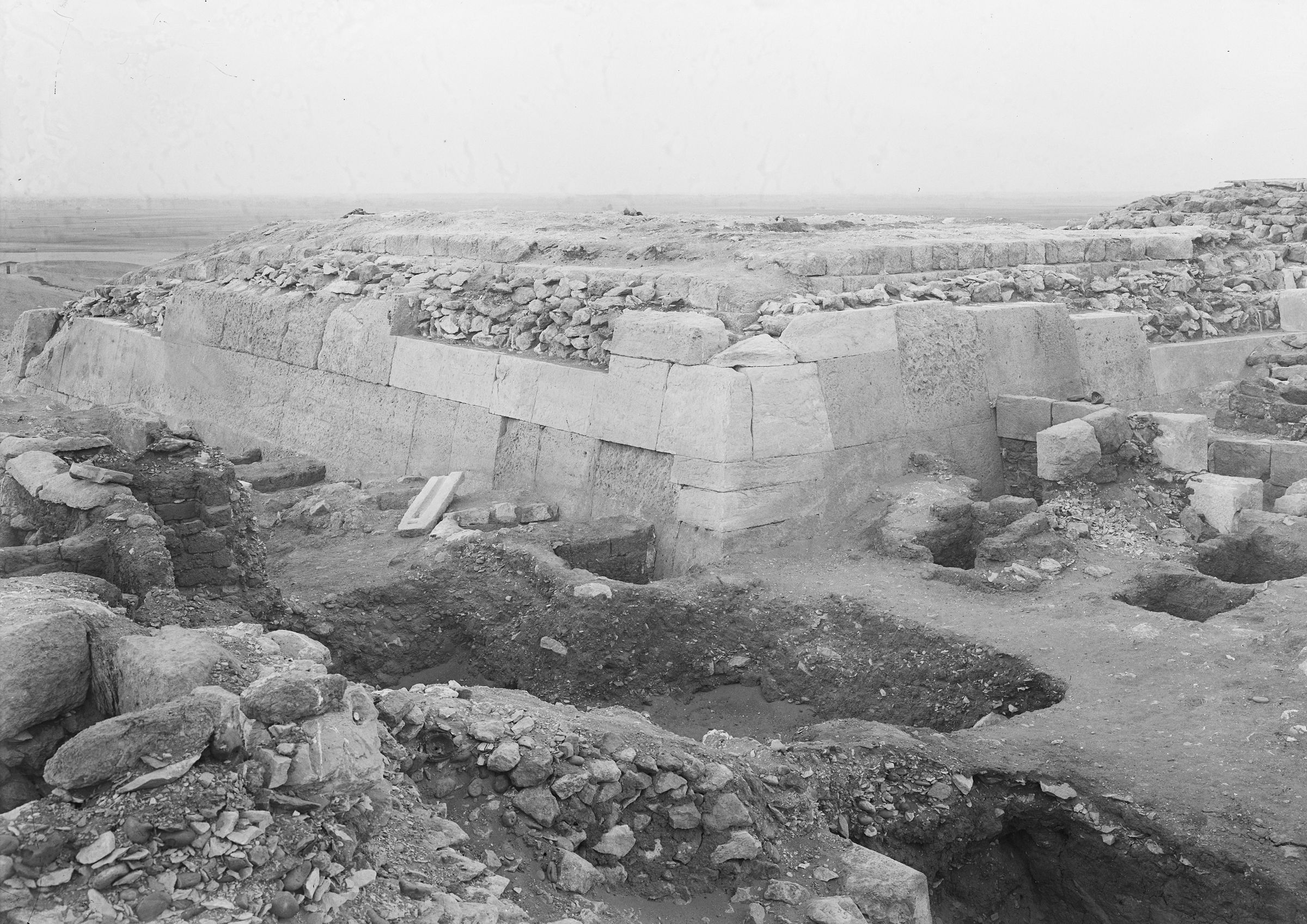 Western Cemetery: Site: Giza; View: G 2110, G 2041, G 2051, G 2113