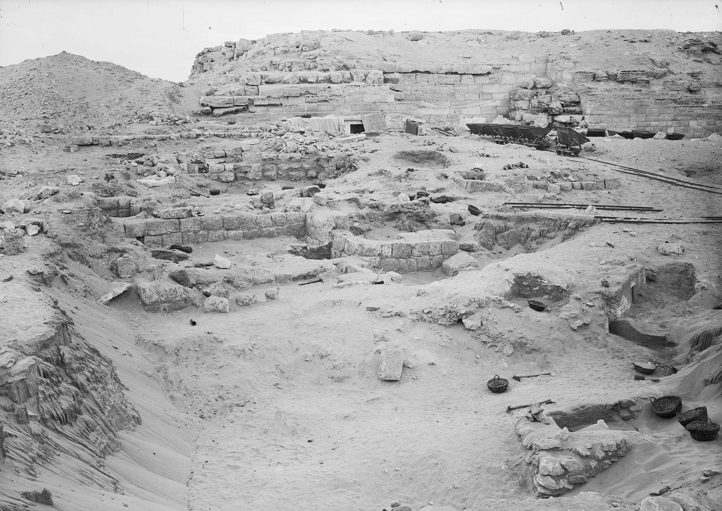 Western Cemetery: Site: Giza; View: G 2017, G 2016, G 2015, G 2013, G 2014, G 2010, G 2011