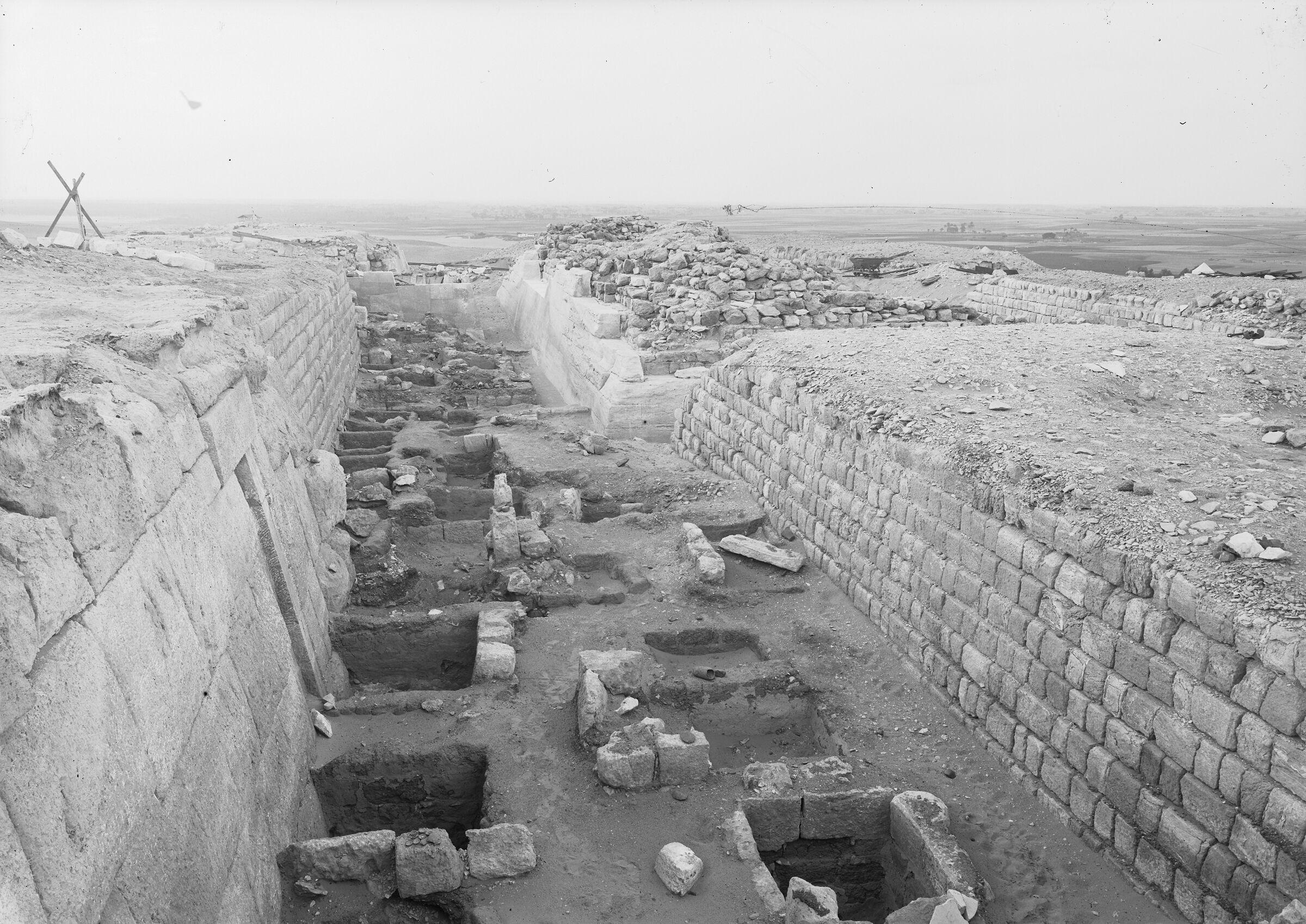 Western Cemetery: Site: Giza; View: G 2100, G 2100-I, G 2120, G 2130, G 2103, G 2104, G 2105, G 2110
