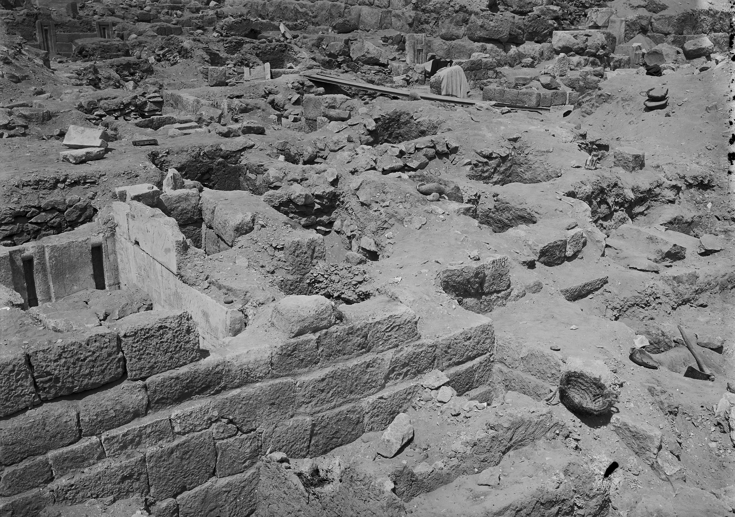 Western Cemetery: Site: Giza; View: G 2175, G 2177, G 2179