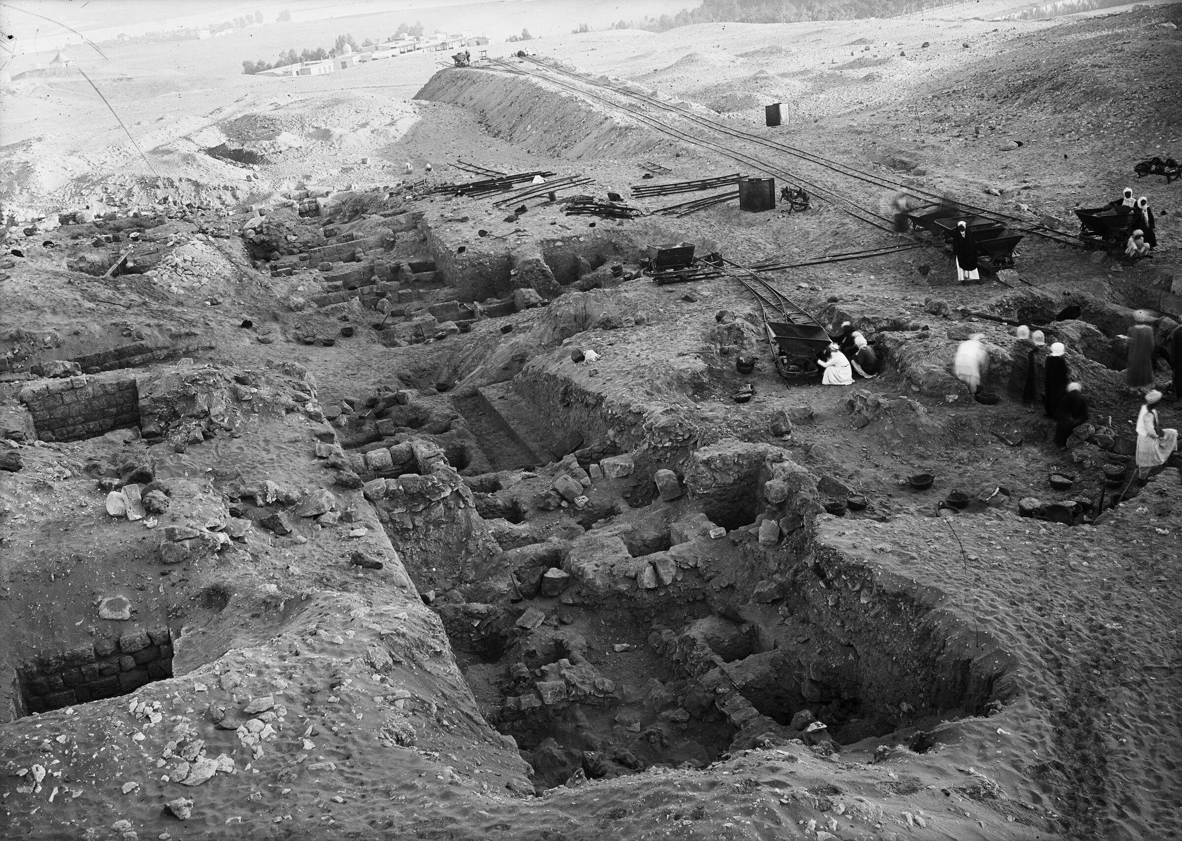 Western Cemetery: Site: Giza; View: G 2311, G 2312, G 2310 = G 5180, G 2320 = G 5280, G 2300 = G 5190, G 2350 = G 5290, G 2313, G 2304, G 2302