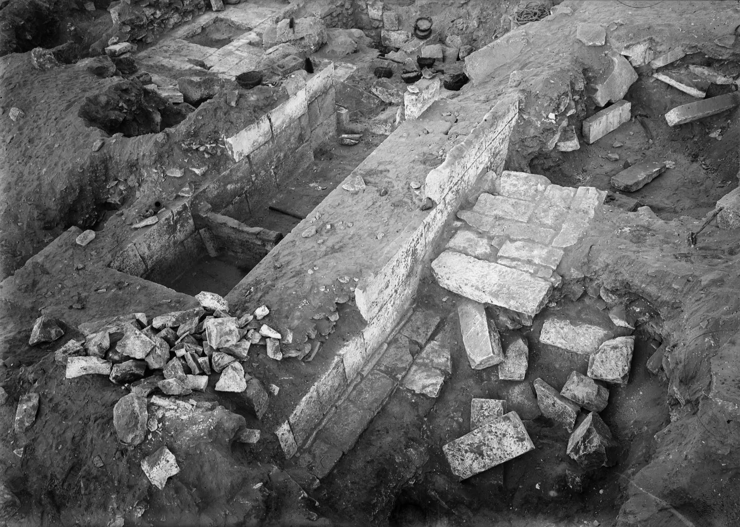Western Cemetery: Site: Giza; View: G 2381, G 2382