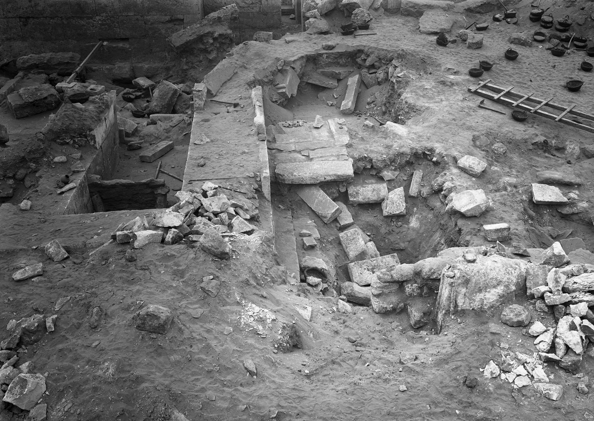 Western Cemetery: Site: Giza; View: G 2382, G 2381