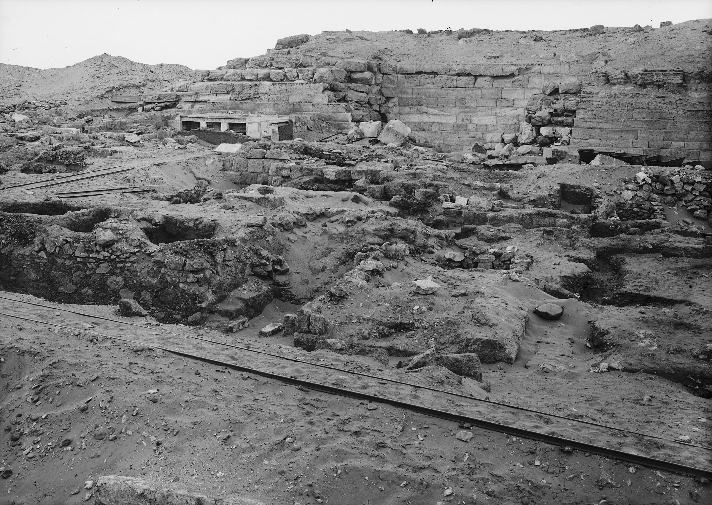 Western Cemetery: Site: Giza; View: G 2025, G 2037
