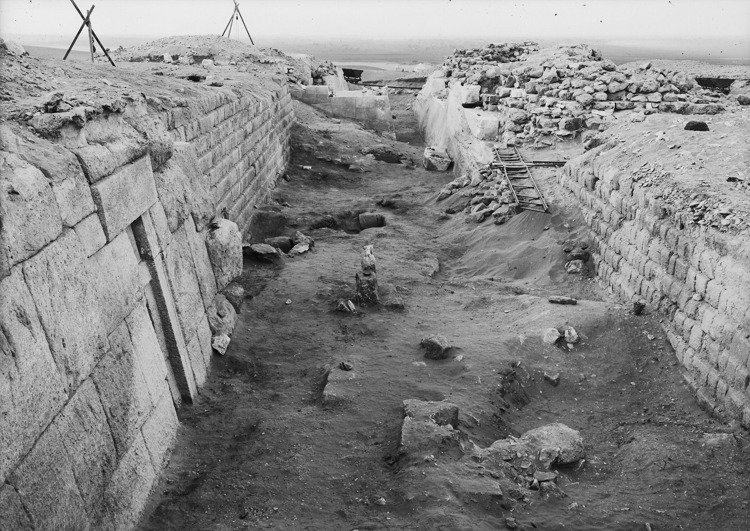Western Cemetery: Site: Giza; View: G 2100, G 2100-I, G 2120, G 2130, G 2110