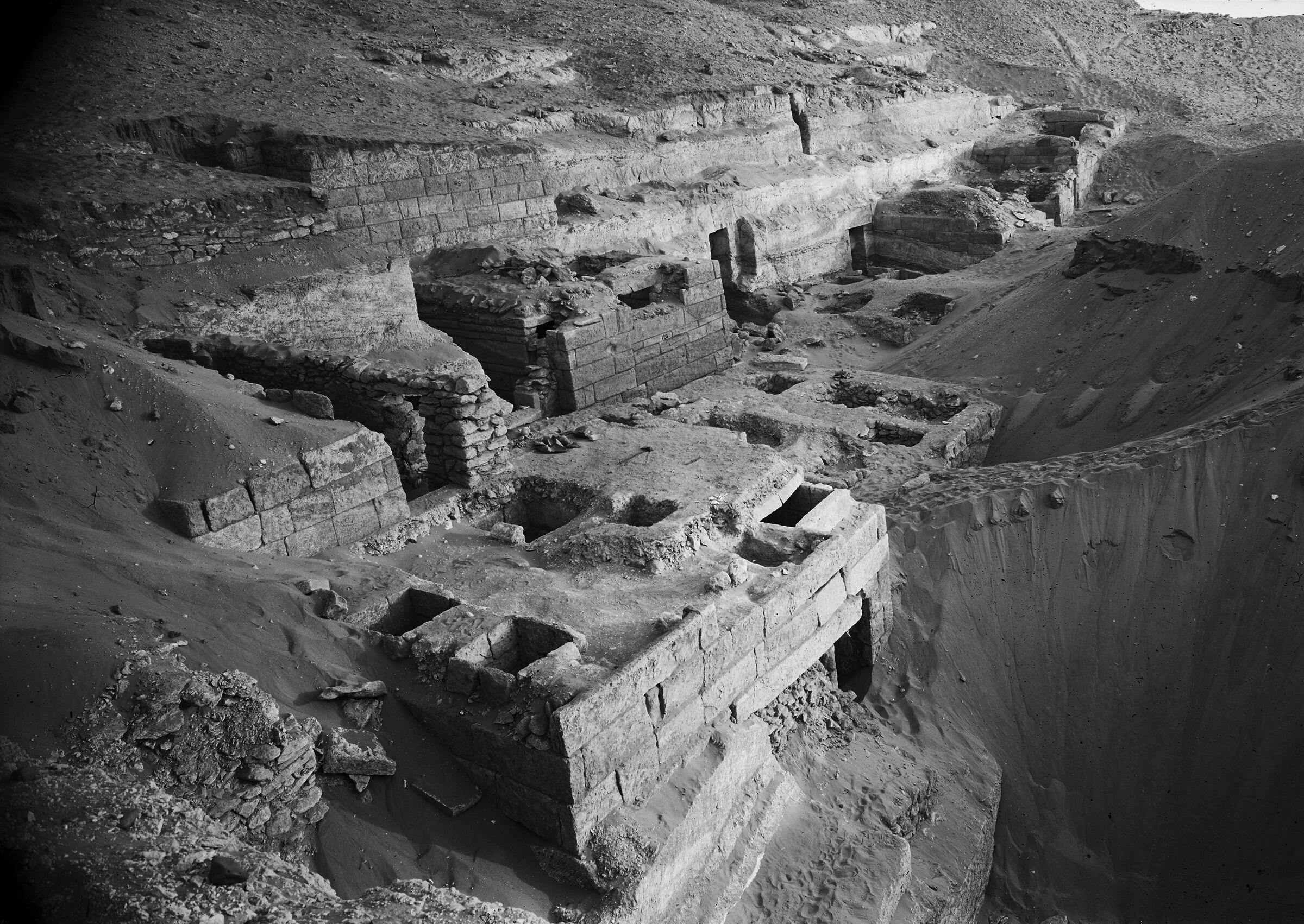 Menkaure Quarry Cemetery: Site: Giza; View: MQ 120, MQ 105, MQ 106, MQ 121, MQ 130, MQ 132, MQ 133, MQ 134, MQ 135, MQ 123, MQ 136