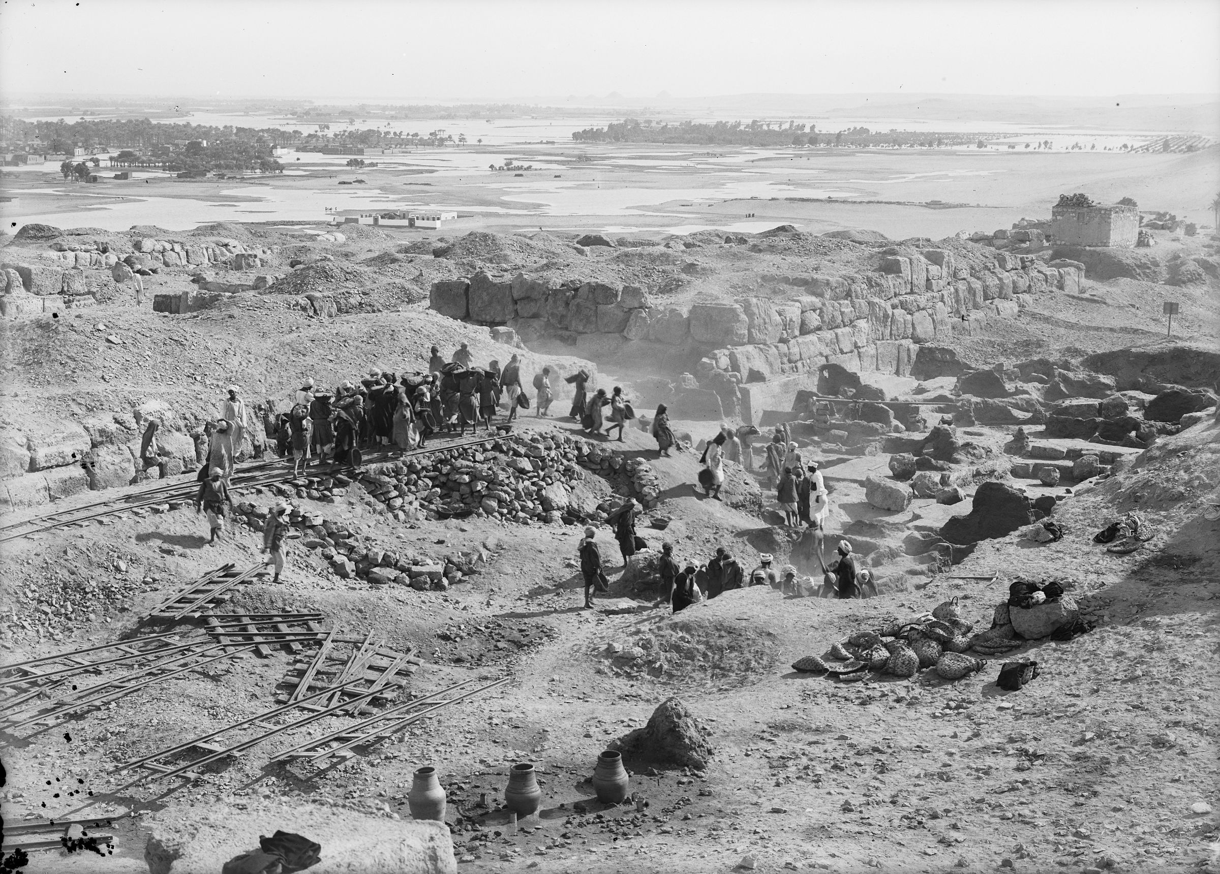 Eastern Cemetery: Site: Giza; View: street G 7000, G I-b