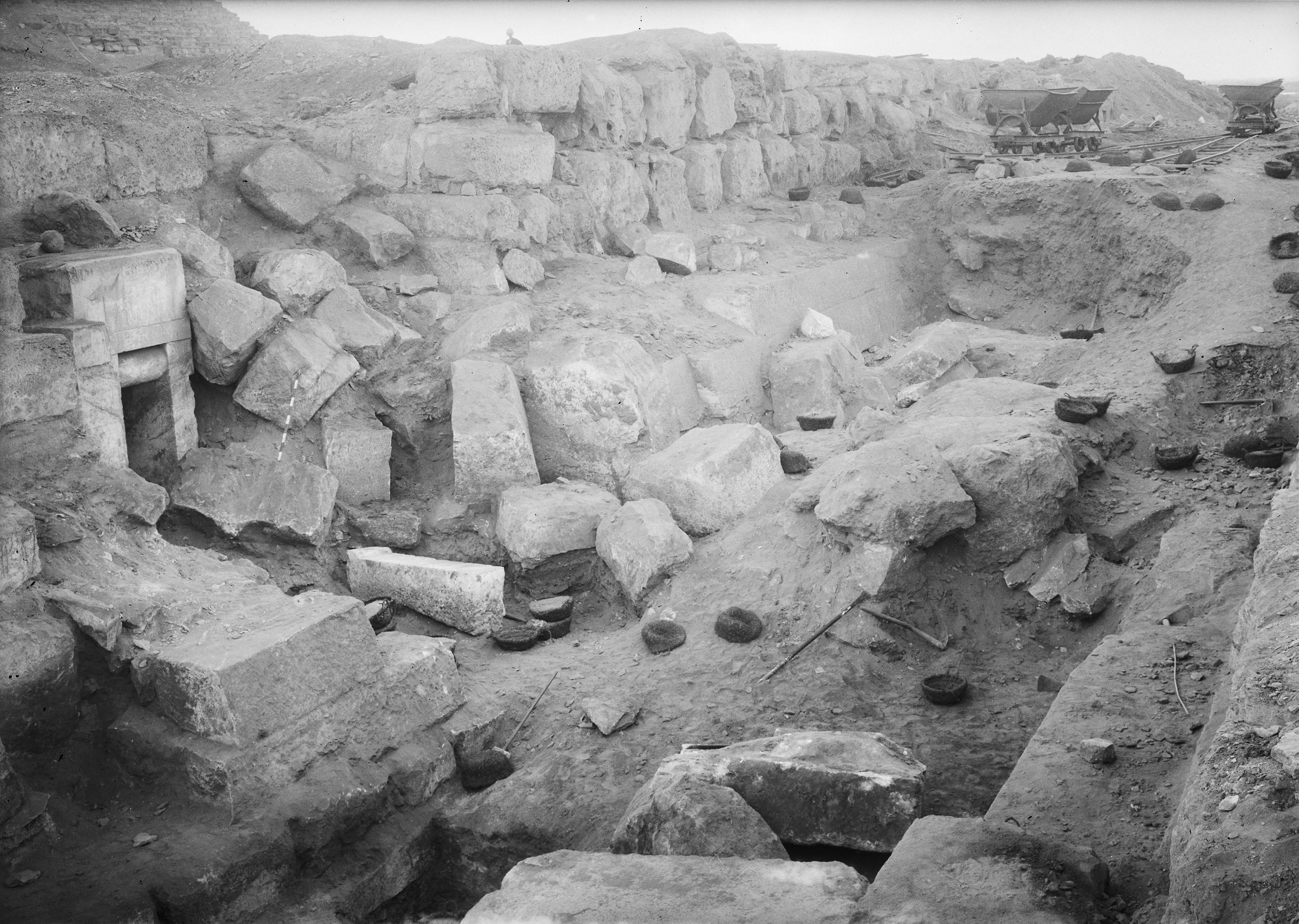 Eastern Cemetery: Site: Giza; View: street G 7200, G 7210-7220