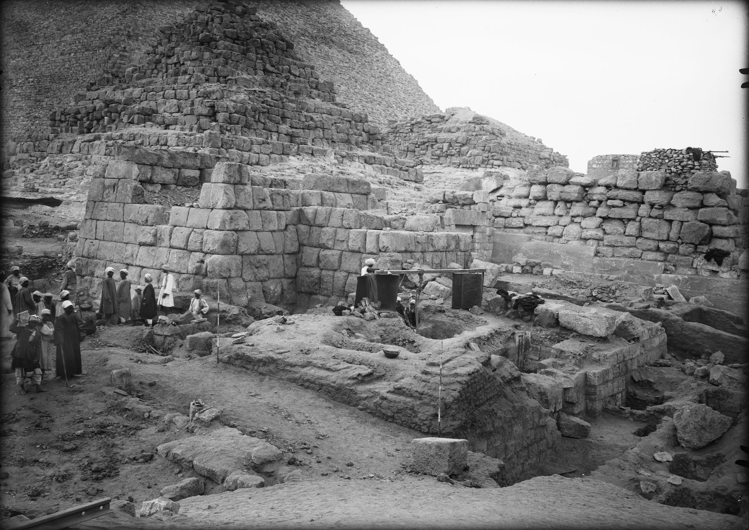Eastern Cemetery: Site: Giza; View: G 7150, G 7143, G 7100 Pt i
