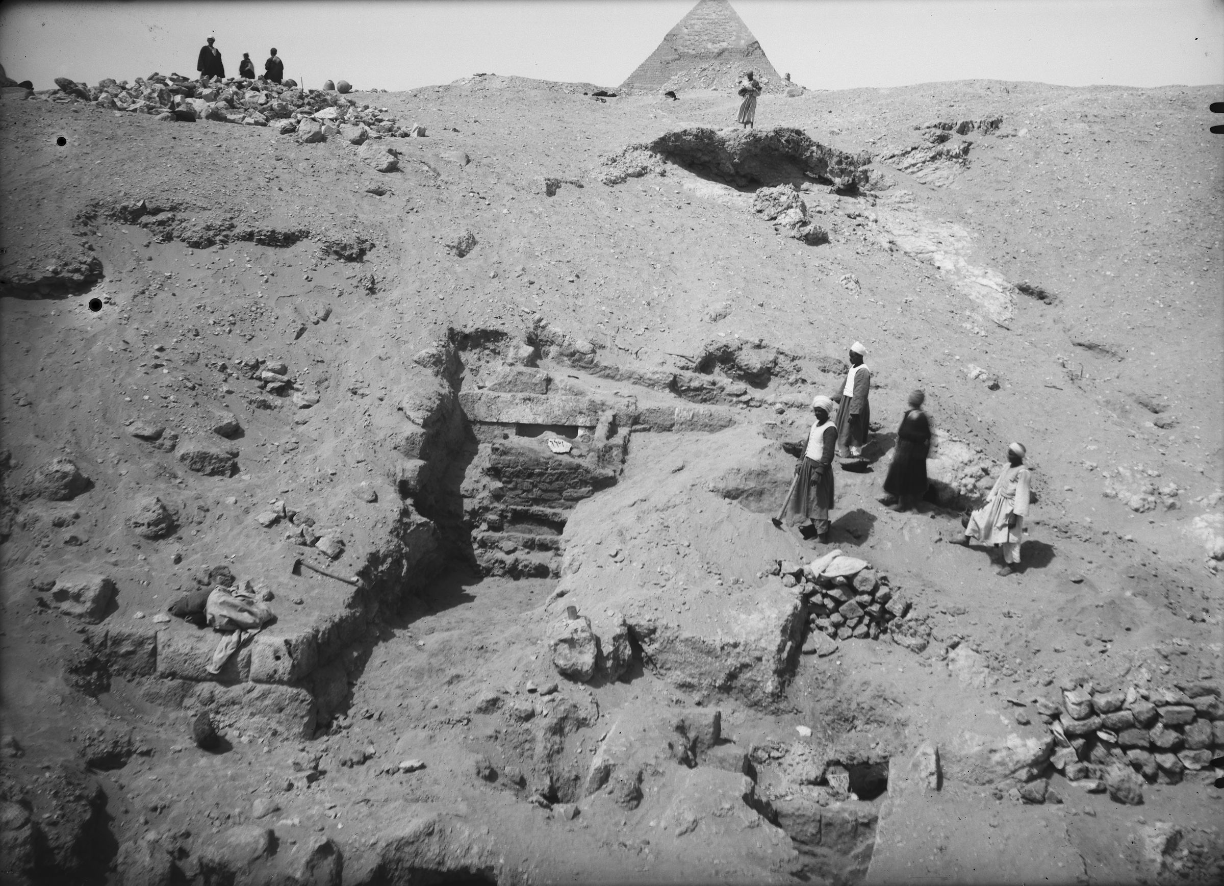 Eastern Cemetery: Site: Giza; View: G 7901, G 7783, G 7891