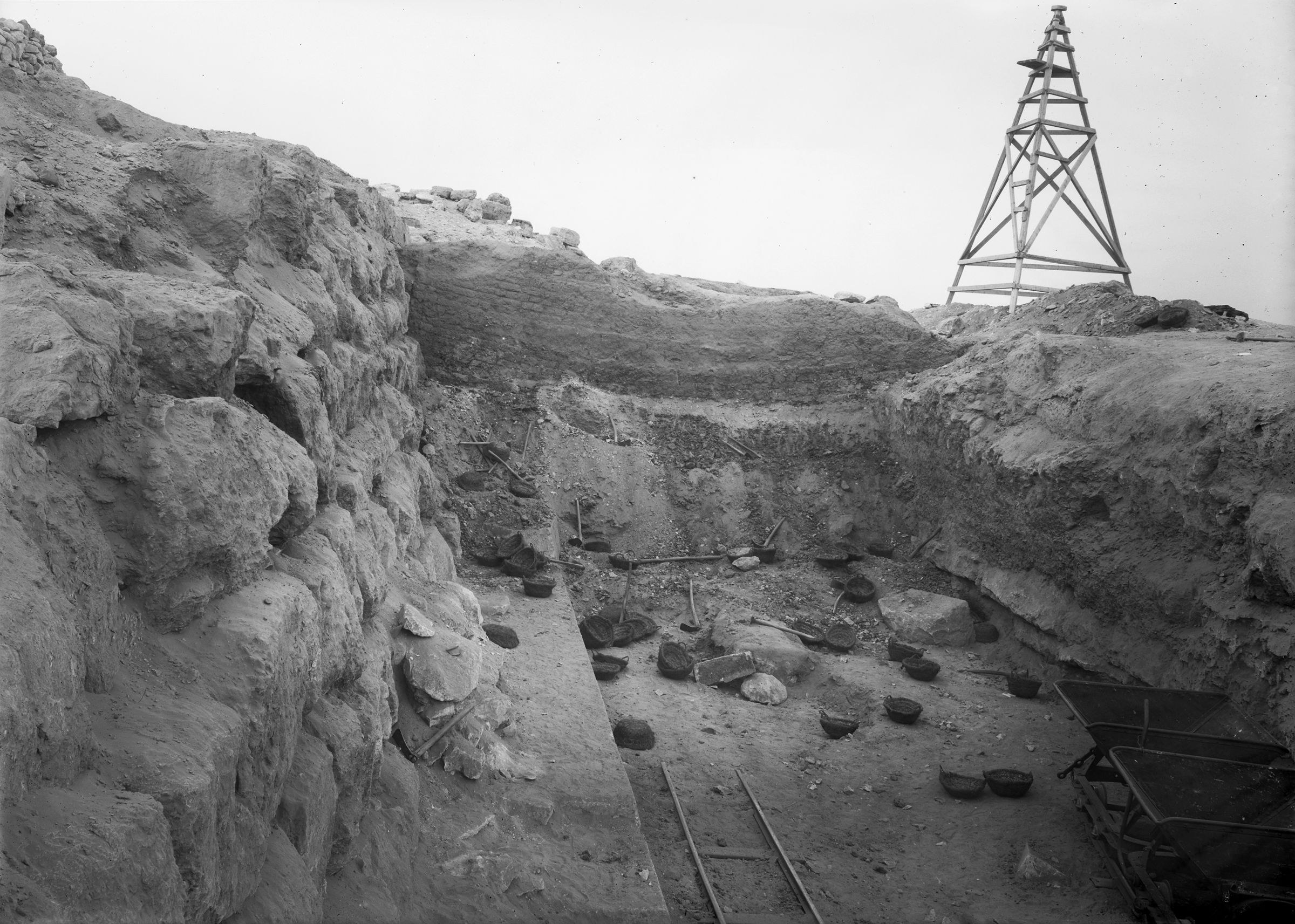 Eastern Cemetery: Site: Giza; View: street G 7600, G 7650, G 7750