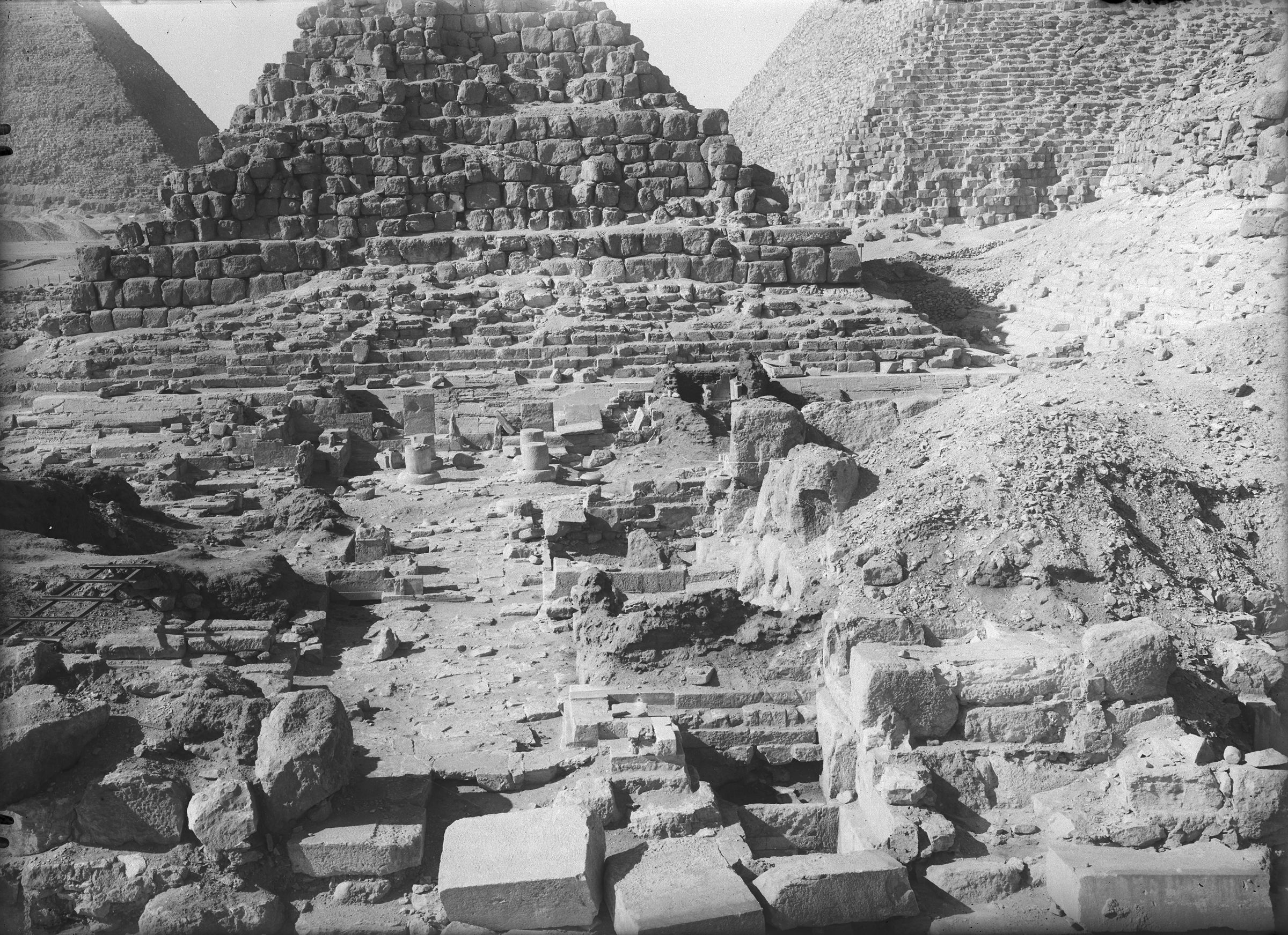 Eastern Cemetery: Site: Giza; View: G 7130-7140, Isis Temple, G I-c