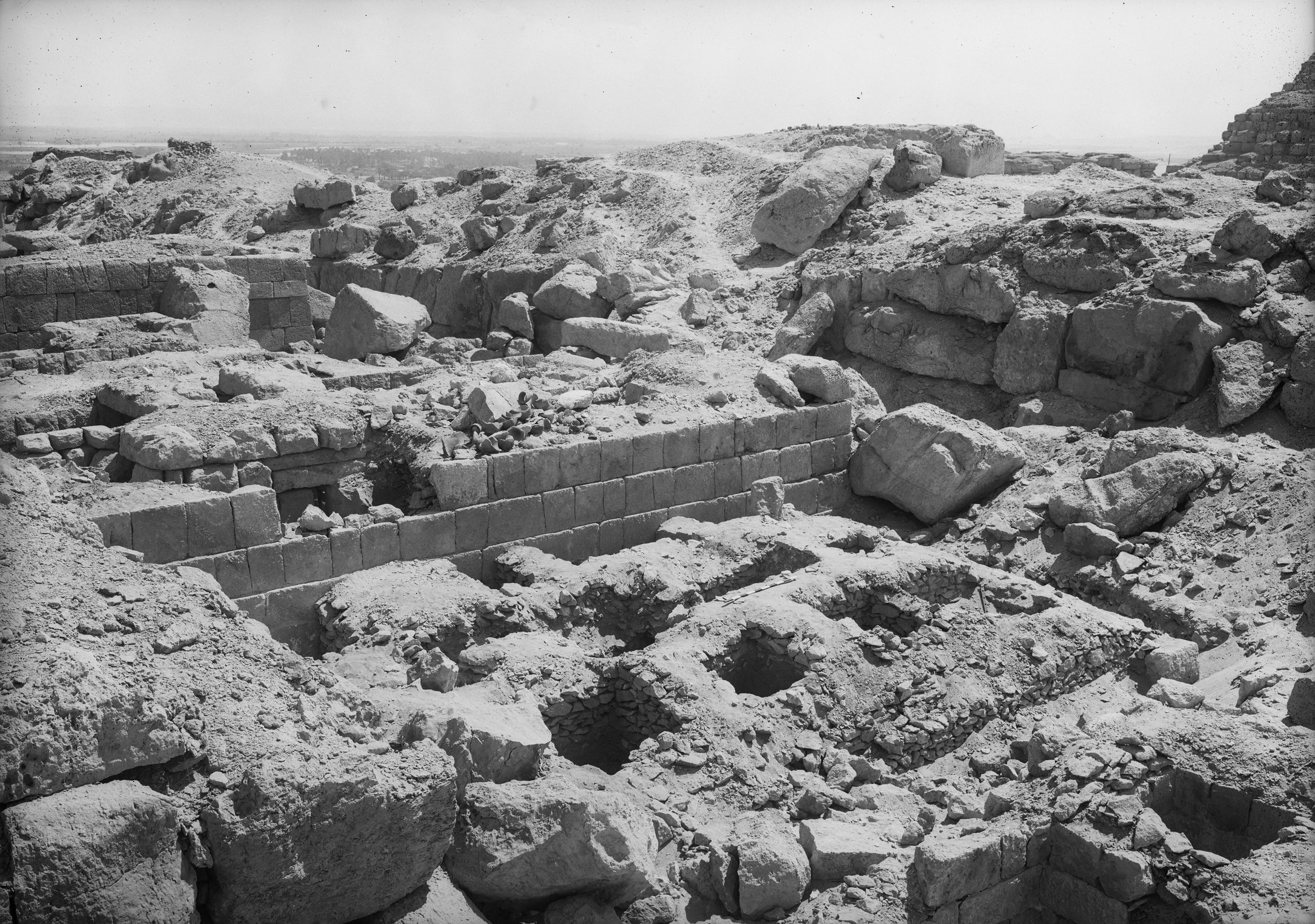 Western Cemetery: Site: Giza; View: G 4519, G 4412, G 4413, G 4513