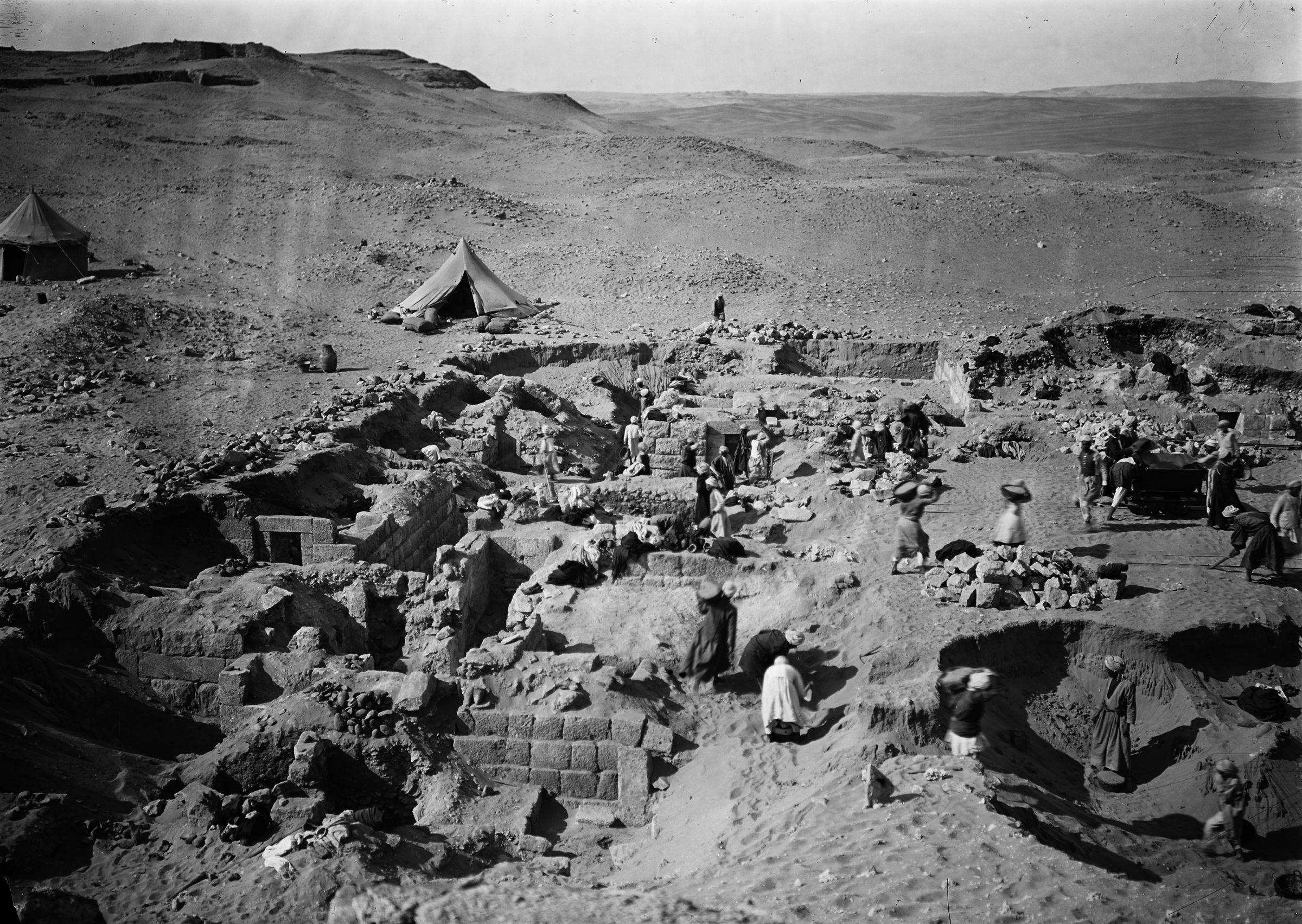 Western Cemetery: Site: Giza; View: G 1012, G 1011, G 1018, G 1016