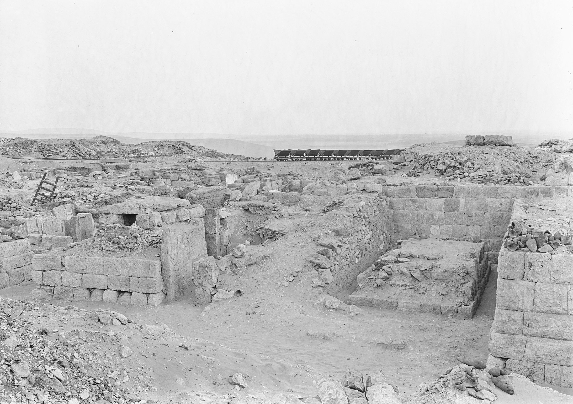 Western Cemetery: Site: Giza; View: G 1102, G 1017, G 1016, G 1020