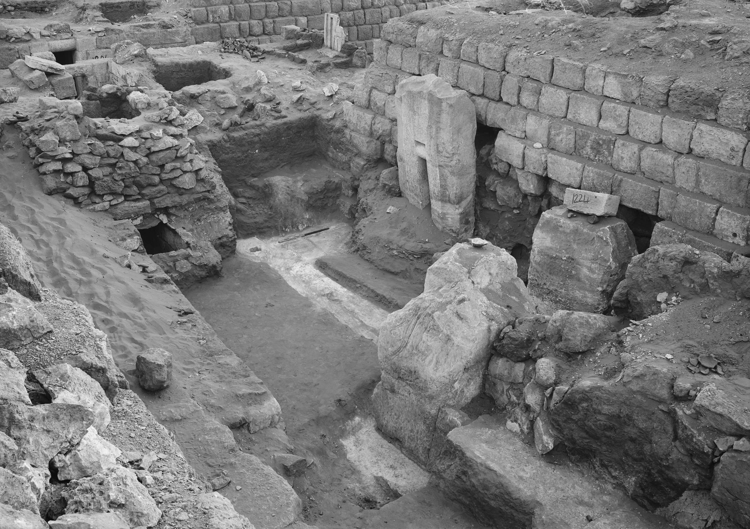Western Cemetery: Site: Giza; View: G 1225, G 1220