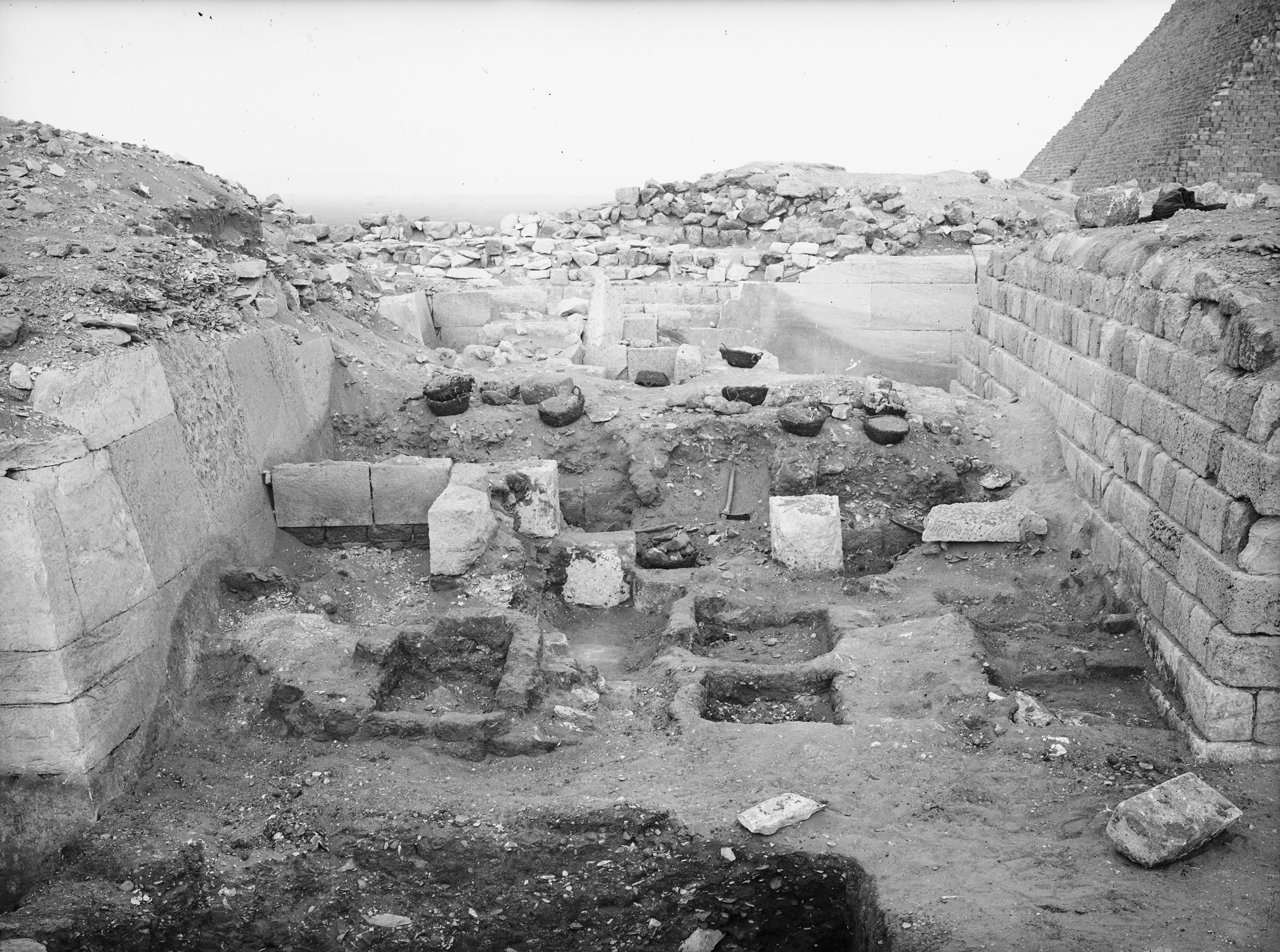 Western Cemetery: Site: Giza; View: G 2100, G 2110, G 2113