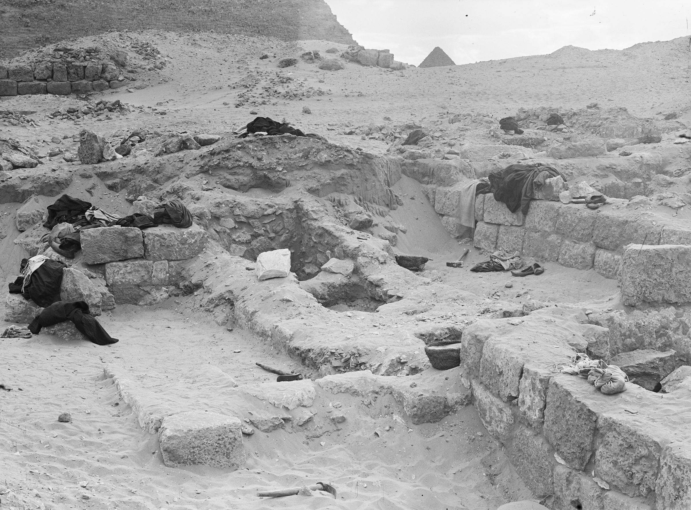 Western Cemetery: Site: Giza; View: G 2014, G 2015, G 2013