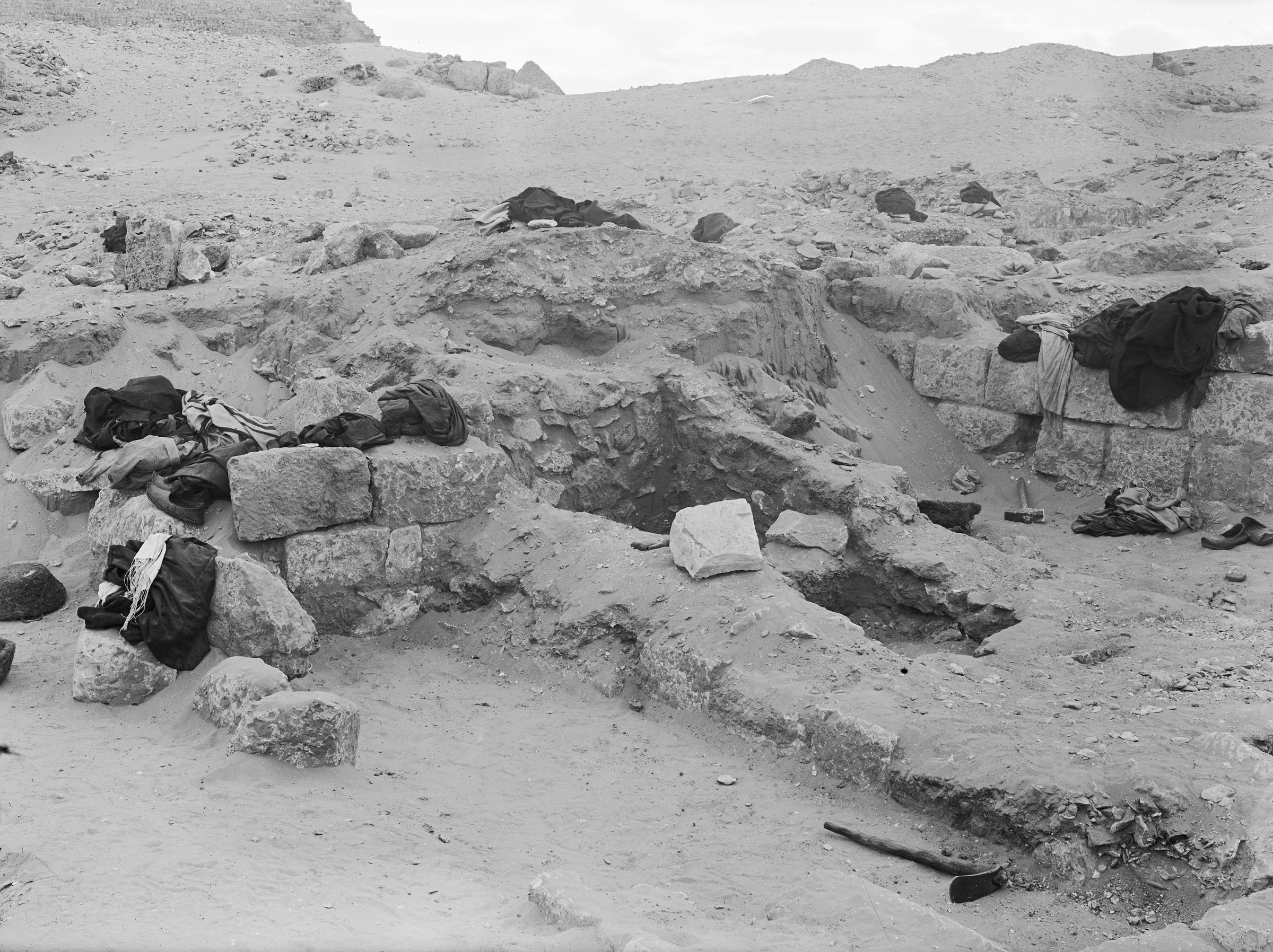 Western Cemetery: Site: Giza; View: G 2015, G 2014
