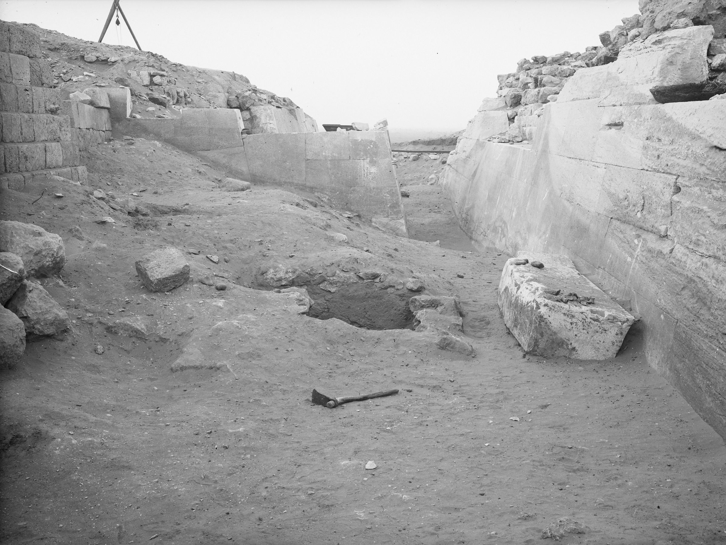 Western Cemetery: Site: Giza; View: G 2110, G 2100, G 2130