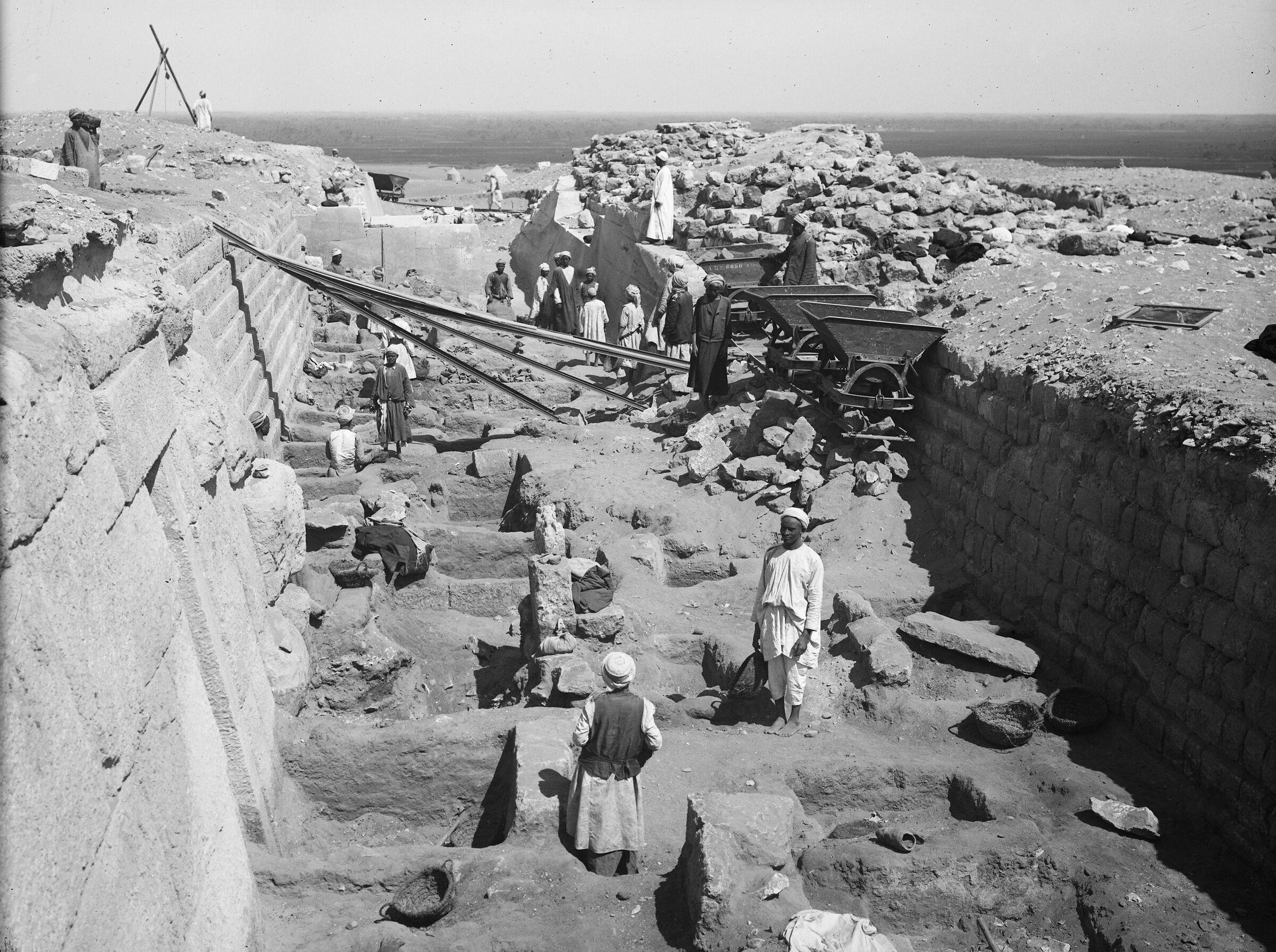 Western Cemetery: Site: Giza; View: G 2100, G 2100-I, G 2120, G 2130, G 2103, G 2104, G 2105
