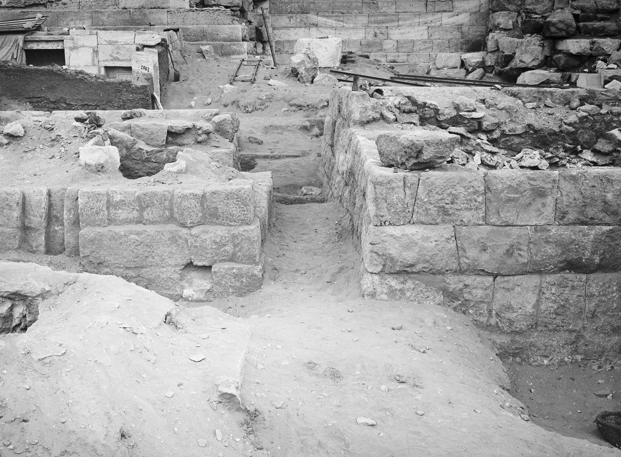Western Cemetery: Site: Giza; View: G 2007, G 2032