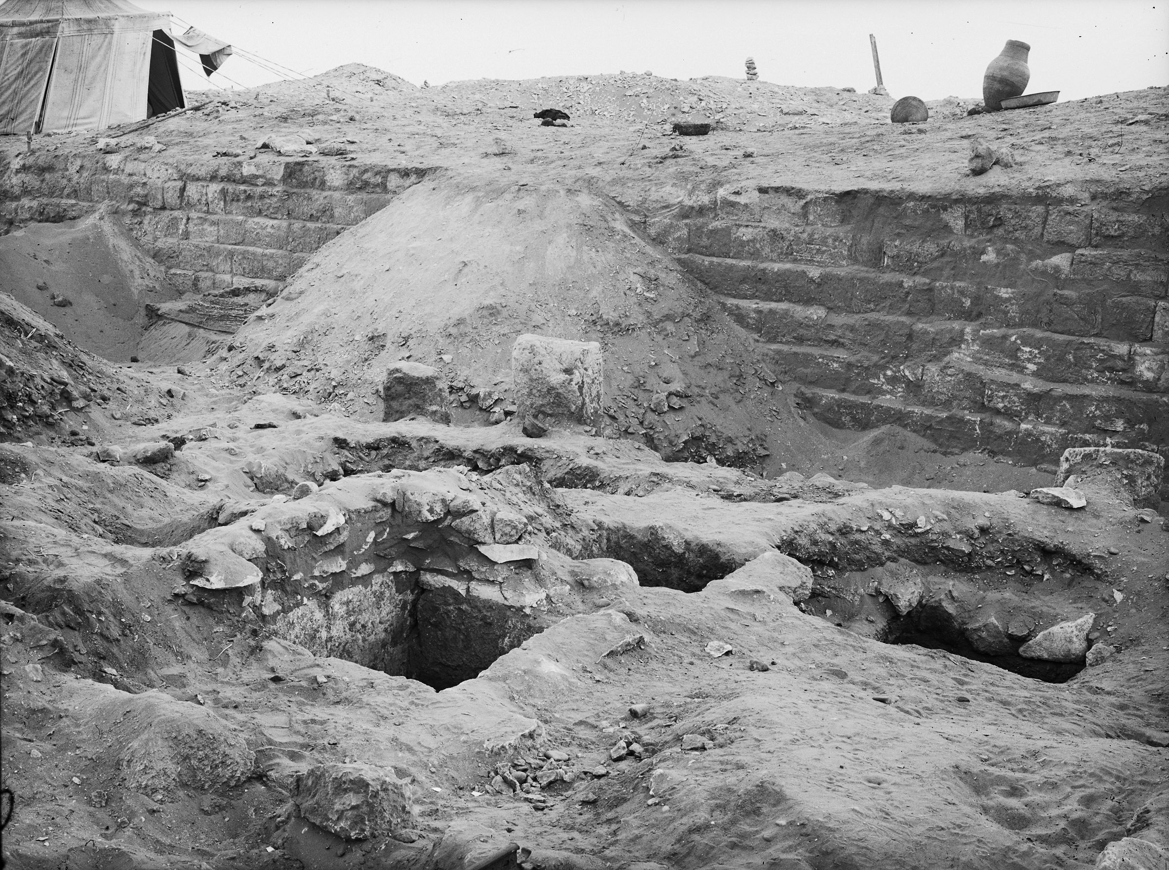 Western Cemetery: Site: Giza; View: G 2022, G 2023, G 2100