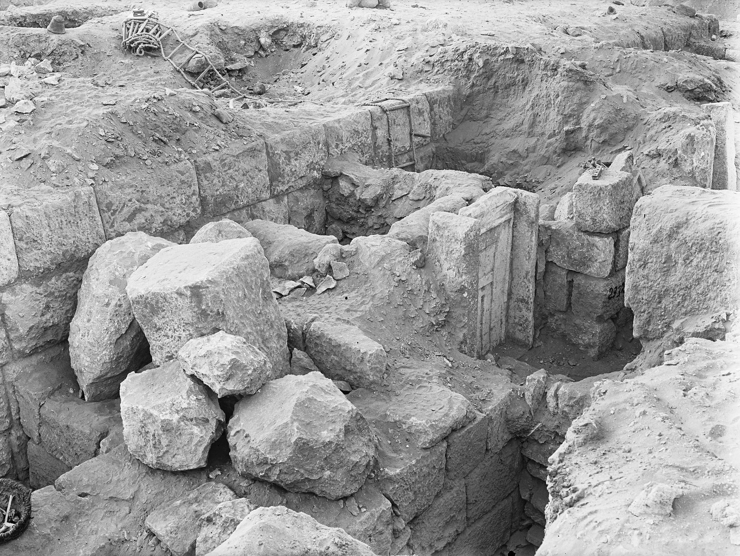 Western Cemetery: Site: Giza; View: G 2332