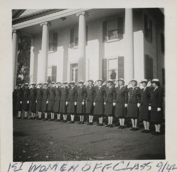 Winifred Quick Collins and members of the WAVES at Smith College
