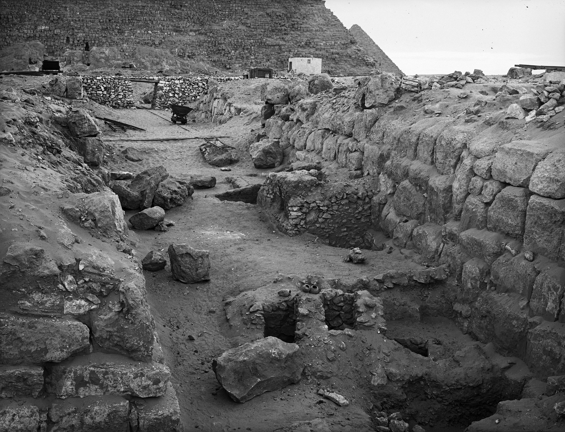 Western Cemetery: Site: Giza; View: G 4330, G 4430, G 4332, G 4331