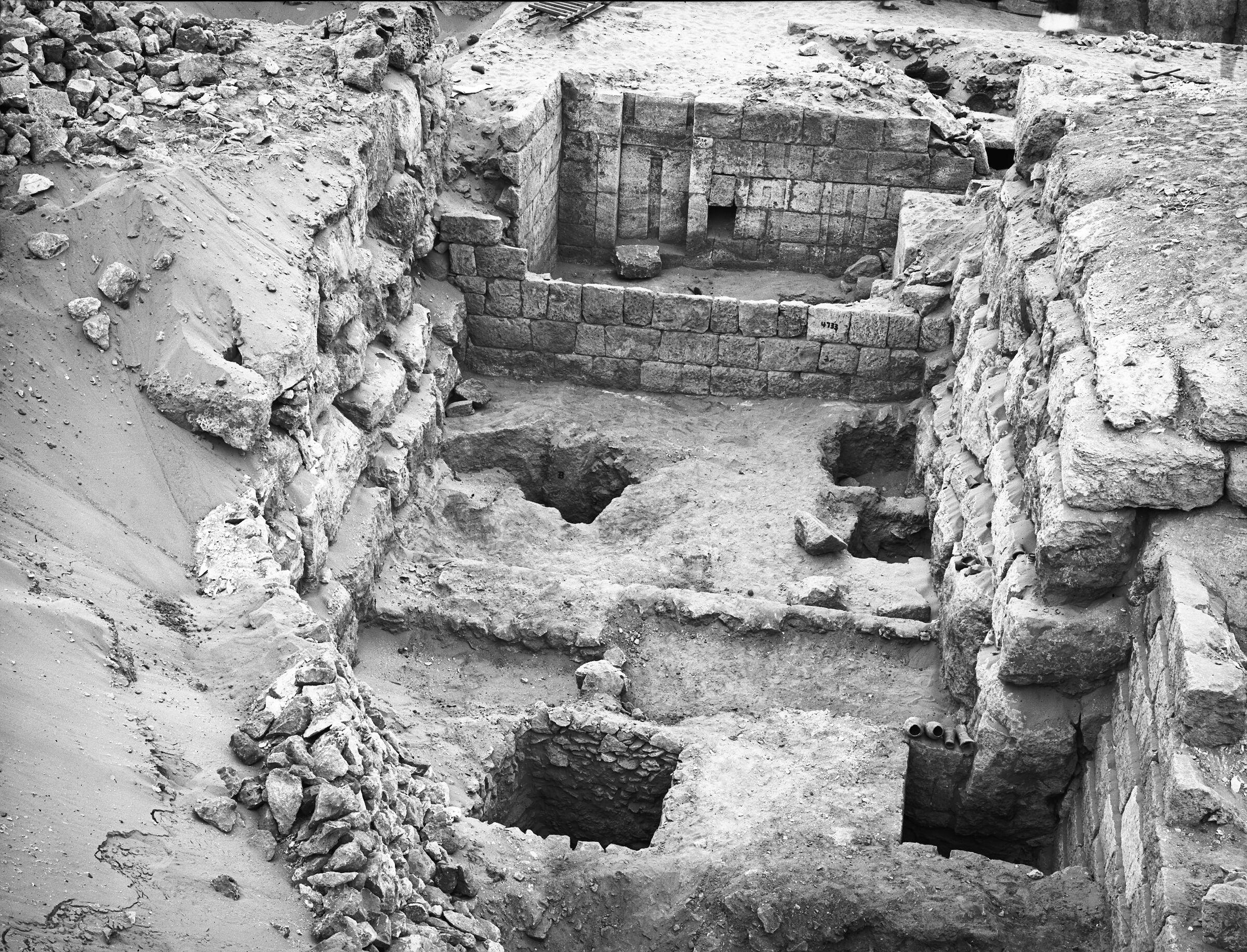 Western Cemetery: Site: Giza; View: G 4830, G 4820, G 4821, G 4822, G 4733