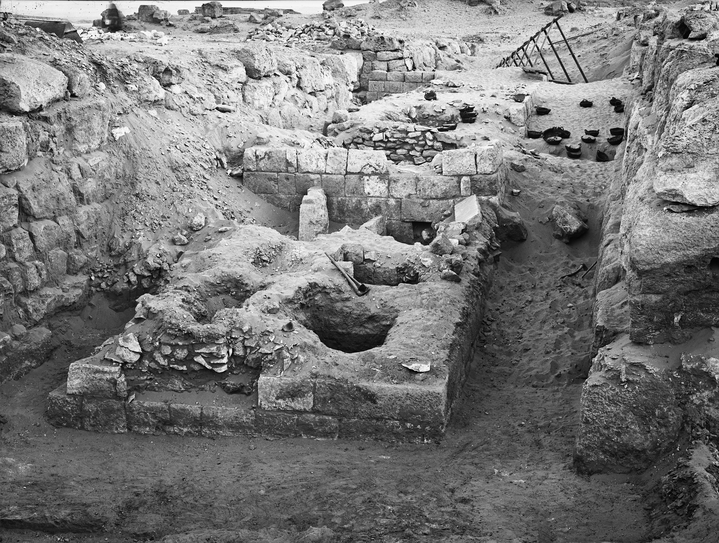 Western Cemetery: Site: Giza; View: G 4830, G 4730, G 4734, G 4733